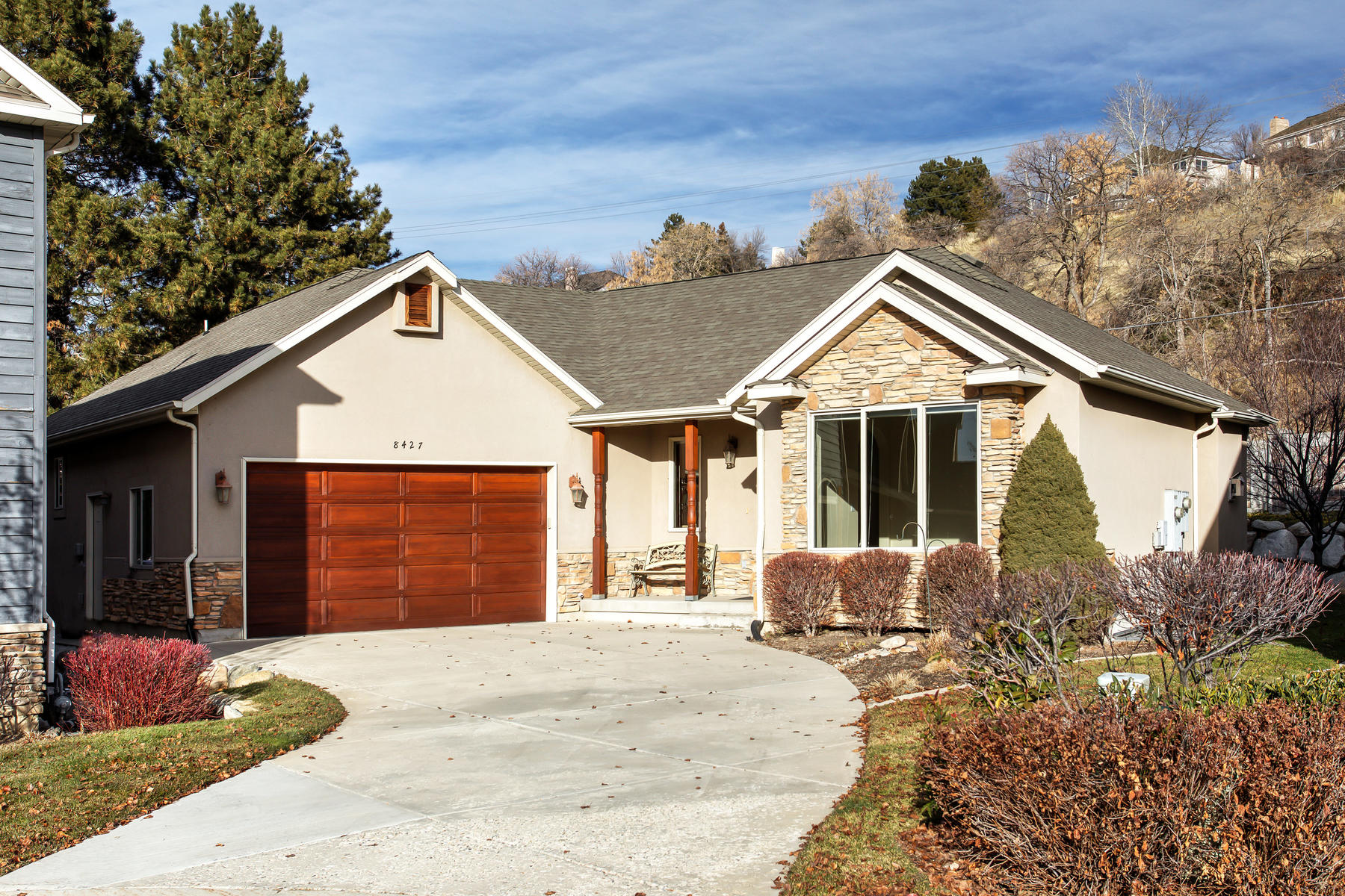 Single Family Homes for Sale at Clean & Well Maintained Rambler Located In The Private/Prestigious Lantern Hill 8427 S Lantern Hill Ct, Sandy, Utah 84093 United States