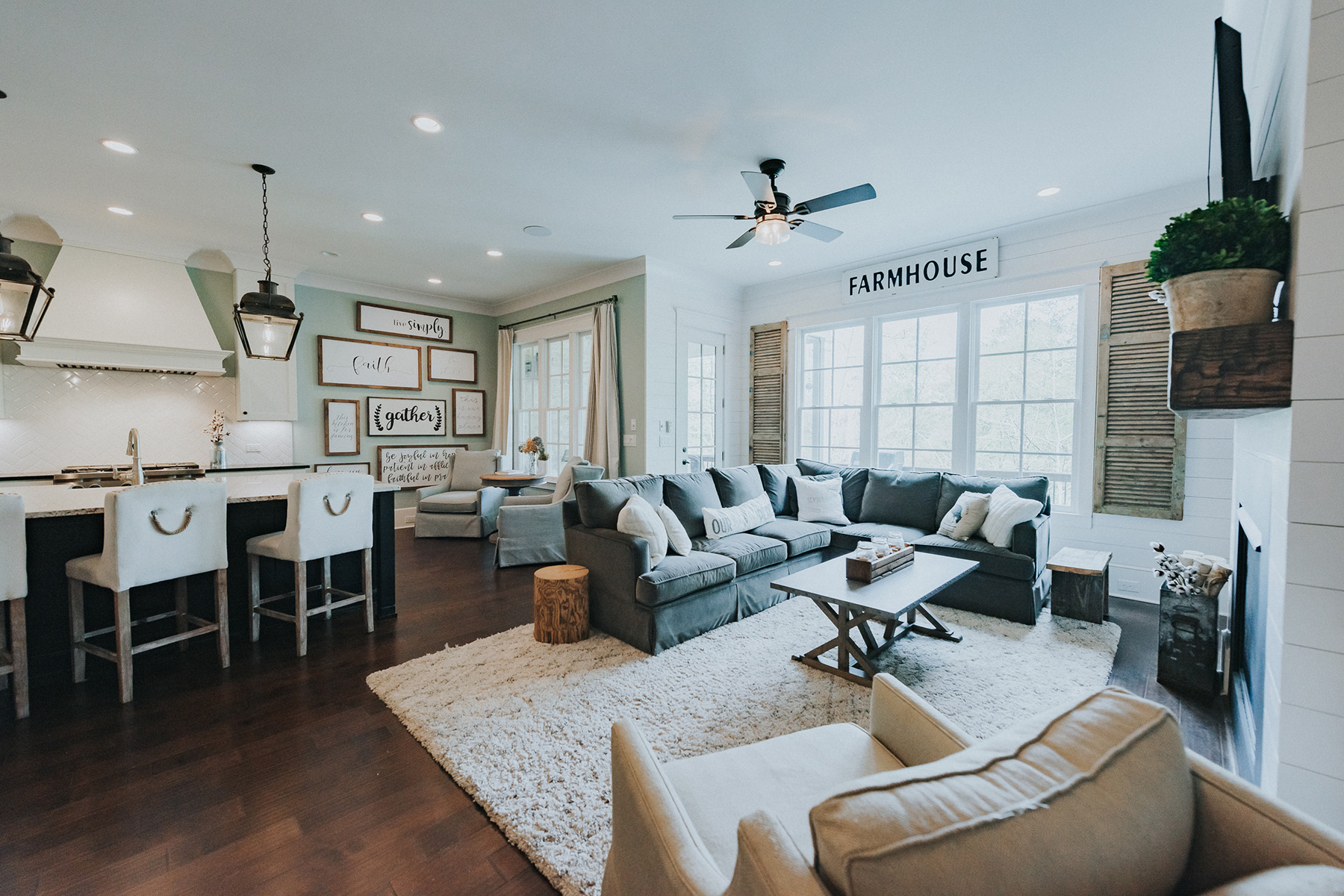 townhouses por un Venta en Location and Perfection in Historical Downtown Roswell 305 Windy Pines Trail, Roswell, Georgia 30075 Estados Unidos