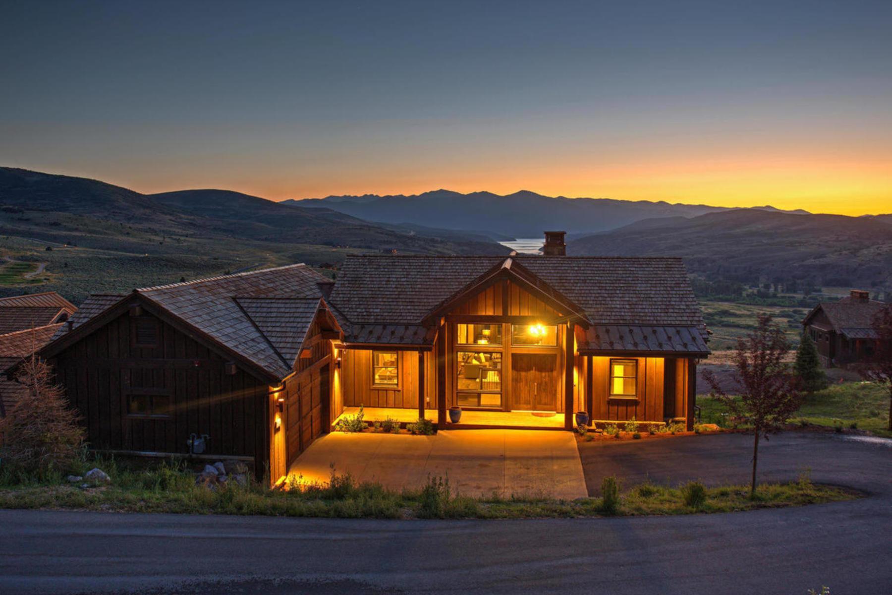 Single Family Homes för Försäljning vid Expanded Juniper Cabin With Spectacular Views 6309 N Prairie Ct Lot 377, Heber City, Utah 84032 Förenta staterna