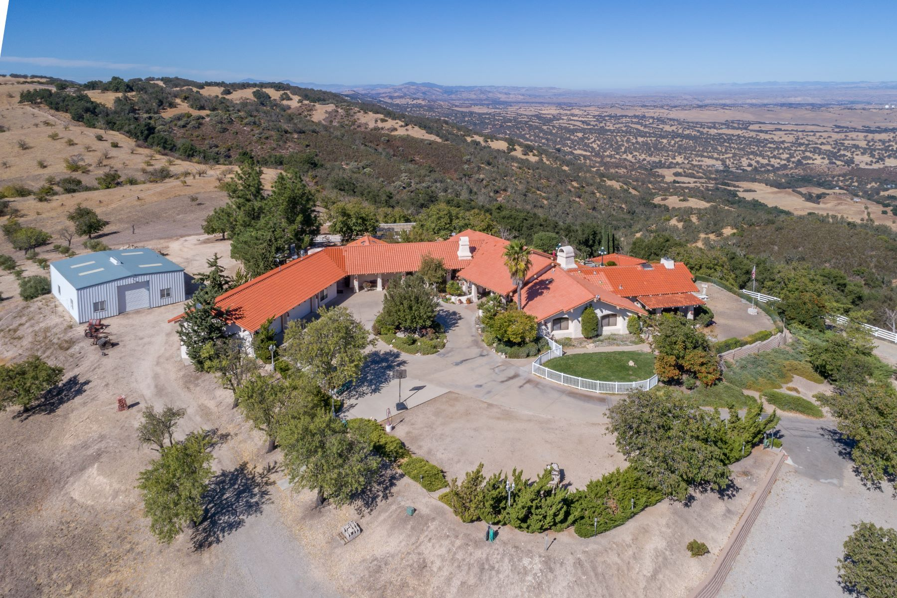 獨棟家庭住宅 為 出售 在 Positively Stunning West Side Estate 4515 Stags Leap Way Paso Robles, 加利福尼亞州 93446 美國