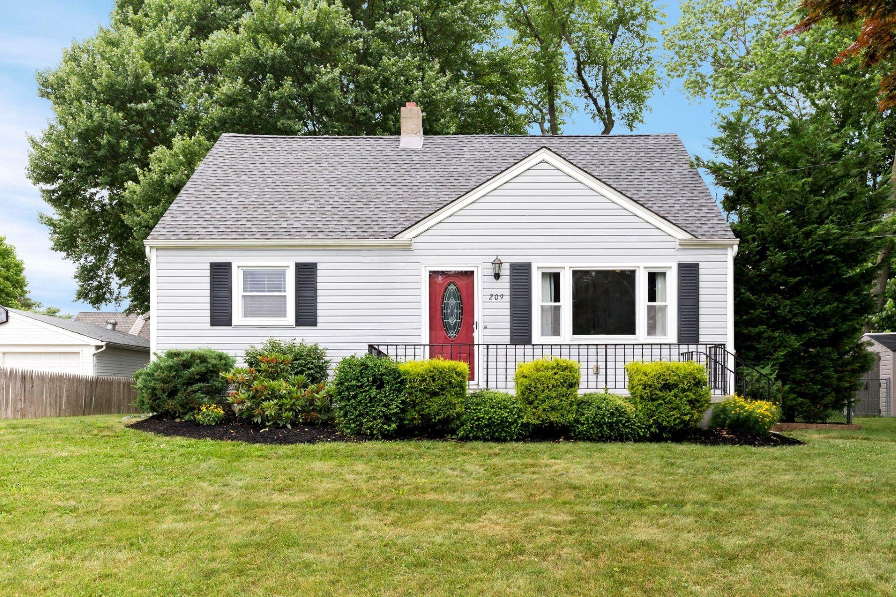 Maison unifamiliale pour l Vente à Hamilton Gardens Cape 209 Willow Dr, Neptune, New Jersey 07753 États-Unis