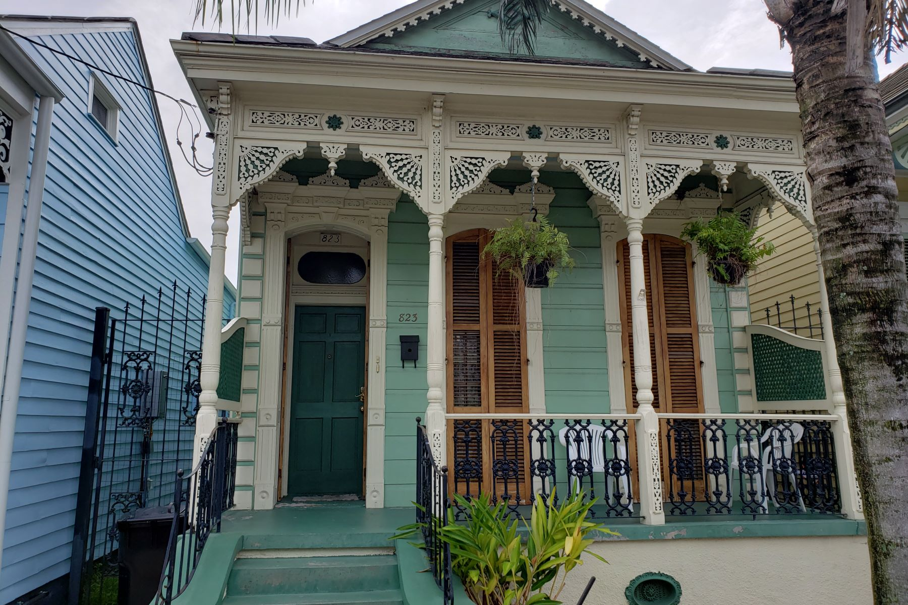 Single Family Homes for Sale at 823 Mandeville St New Orleans, Louisiana 70117 United States