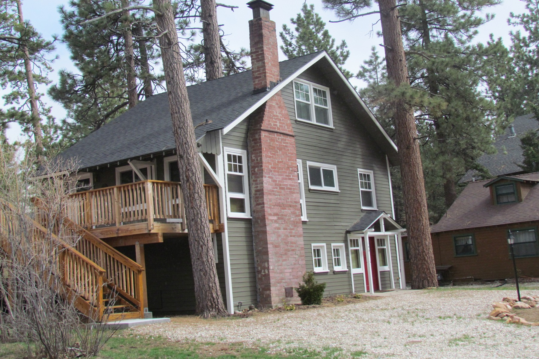 Maison unifamiliale pour l Vente à 195 Elgin Road Big Bear Lake, Californie, 92315 États-Unis