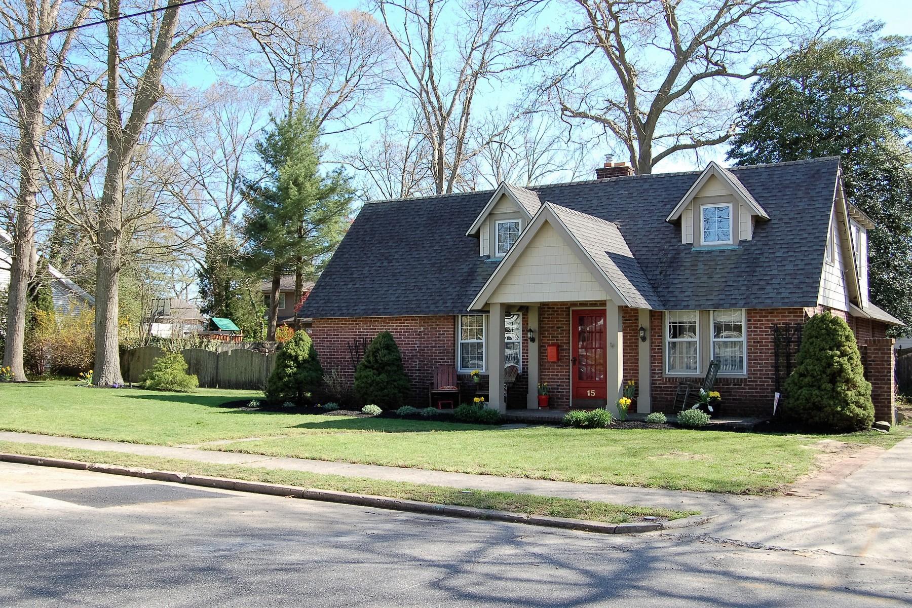 Частный односемейный дом для того Продажа на Unique New England Style Cape Cod Home 15 Haines Avenue Linwood, 08221 Соединенные Штаты