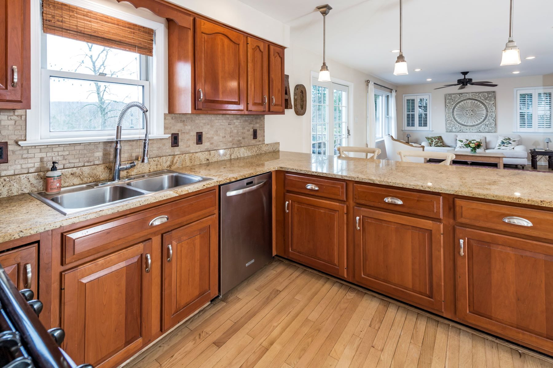 Additional photo for property listing at A Lovely Home In An Even Lovelier Location 38 2nd Street, Hopewell, New Jersey 08525 United States