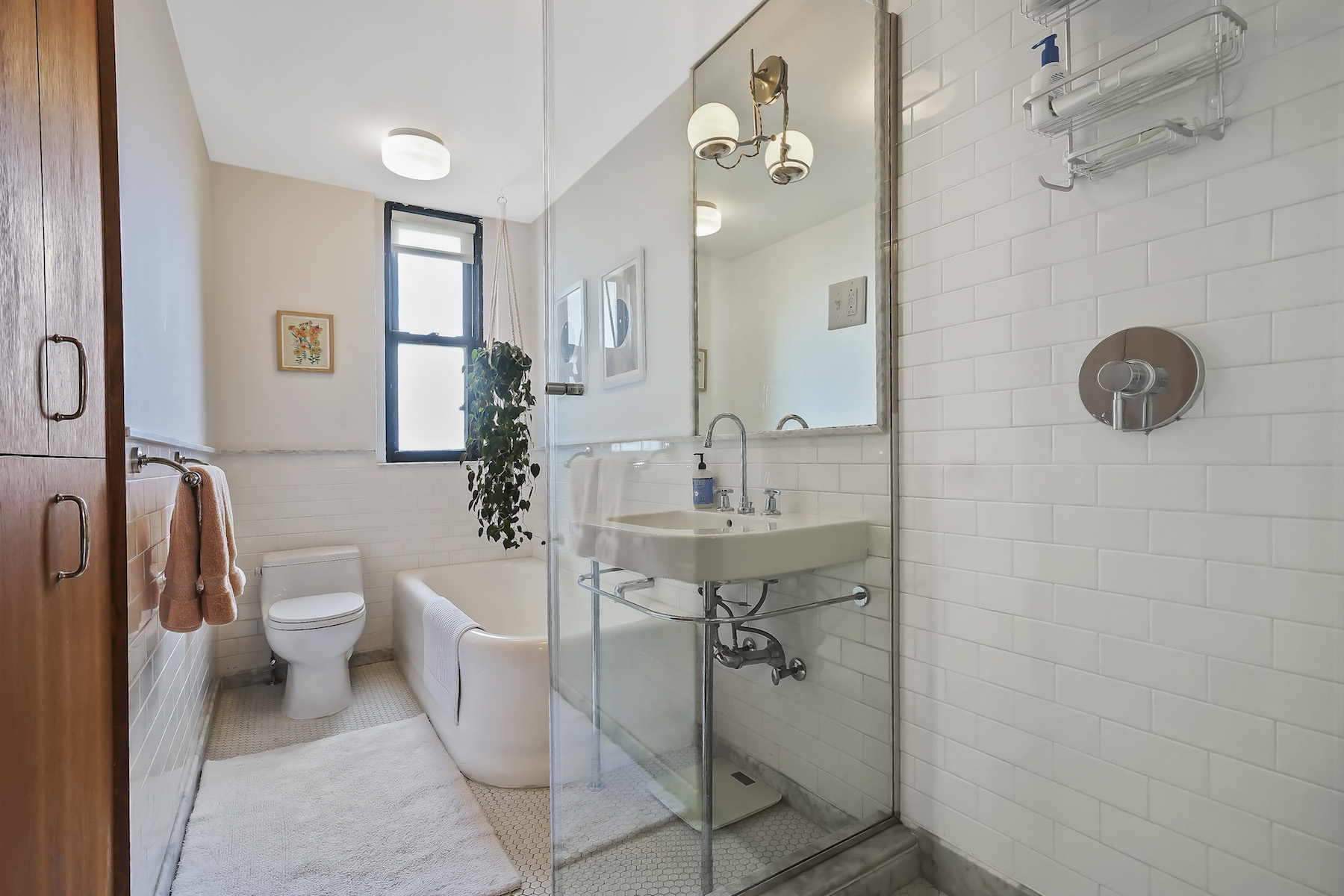 Additional photo for property listing at 135 Eastern Parkway Apt 8F 135 Eastern Parkway Apt 8F Brooklyn, New York 11238 United States