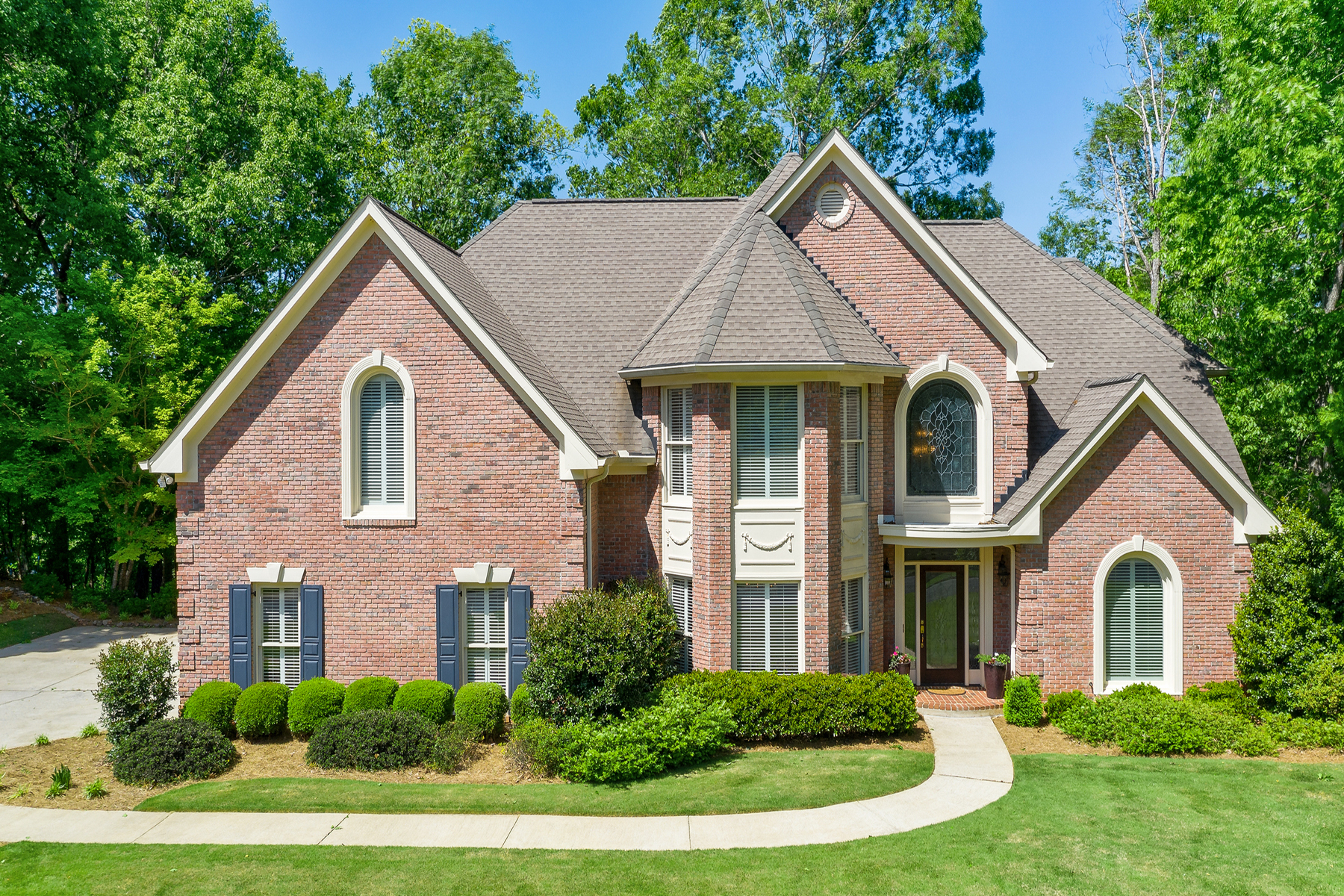 Single Family Homes for Active at Gorgeous Executive Estate On River Lot In Gwinnett 4035 Runnymede Drive SW Lilburn, Georgia 30047 United States