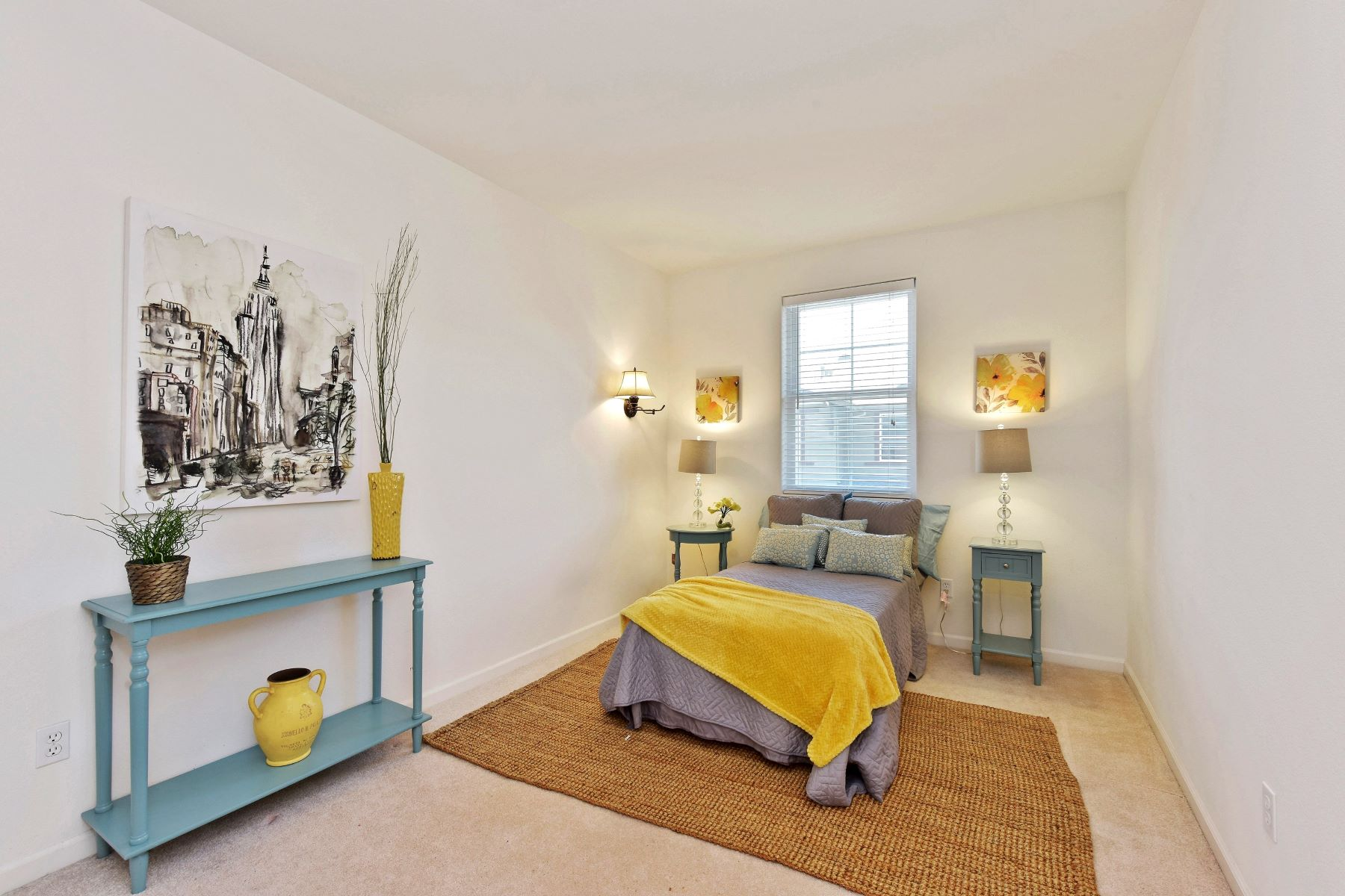 Additional photo for property listing at Contemporary Townhome In Prime Eden Shores 2695 Northern Cross Road Hayward, カリフォルニア 94545 アメリカ合衆国
