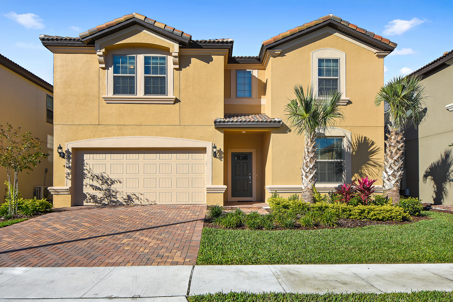 Single Family Homes for Sale at Kissimmee-Orlando 1630 Lima Ave Kissimmee, Florida 34747 United States