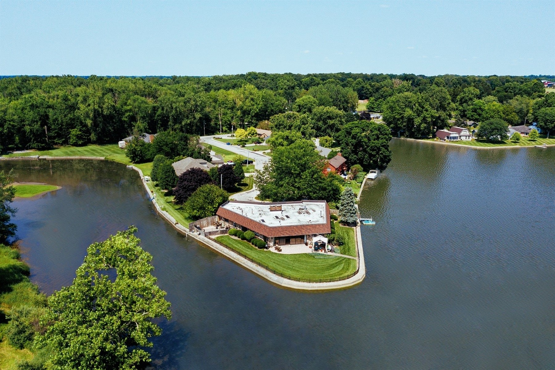 Single Family Homes للـ Sale في California Ranch on Pike Lake 1700 Jenny Lane, Warsaw, Indiana 46580 United States