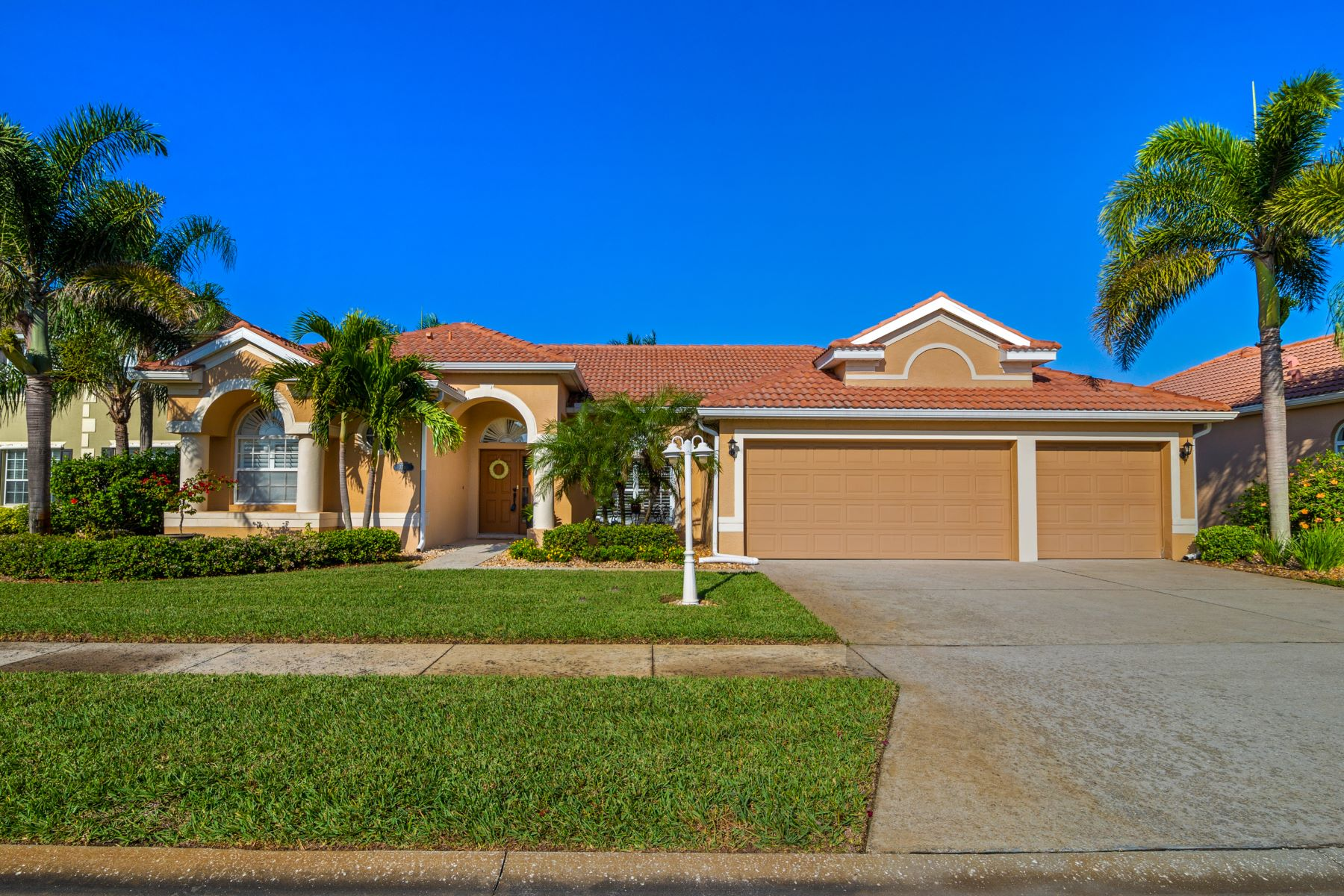 Single Family Home for Sale at Modern Home in Ocean Side Village 3340 Posiedon Way Melbourne, Florida 32903 United States