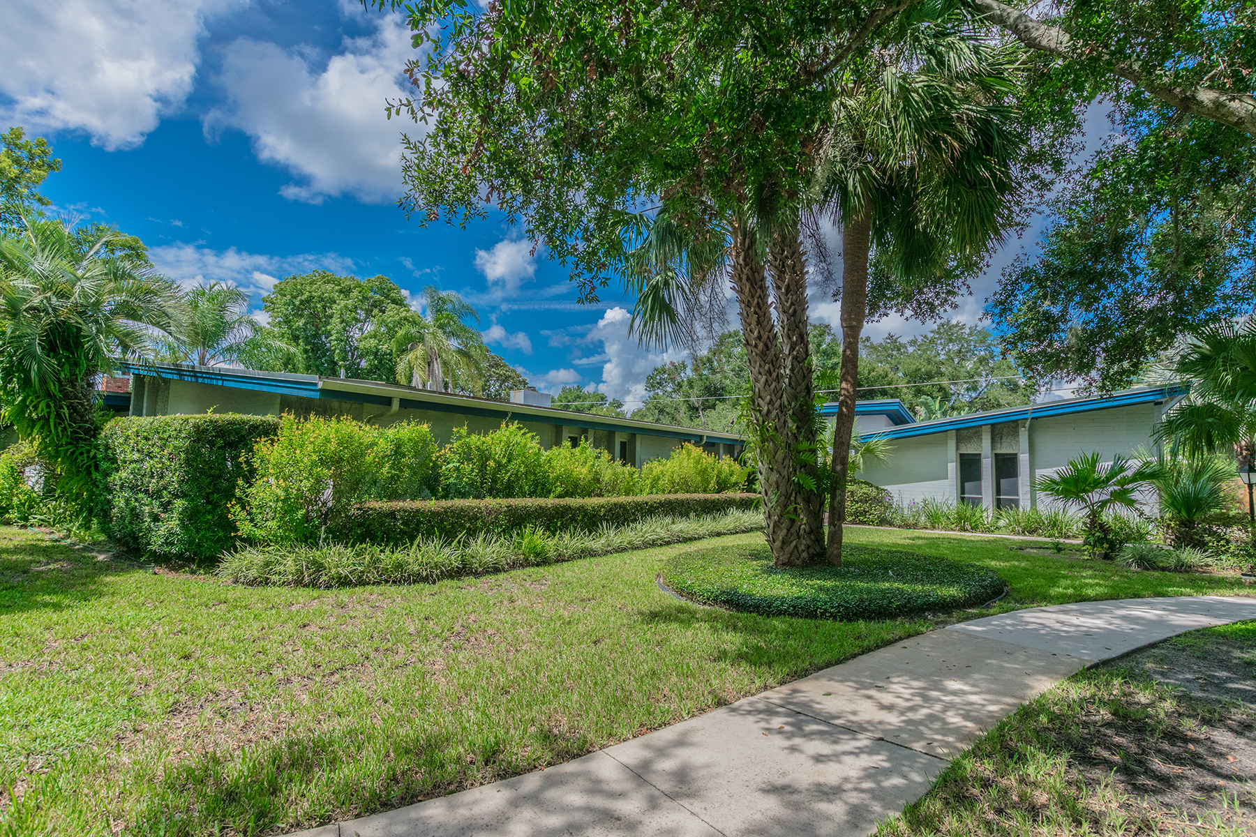 Enfamiljshus för Försäljning vid 111 Shell Pt W, Maitland, FL 32751 111 Shell Pt W Maitland, Florida 32751 Usa