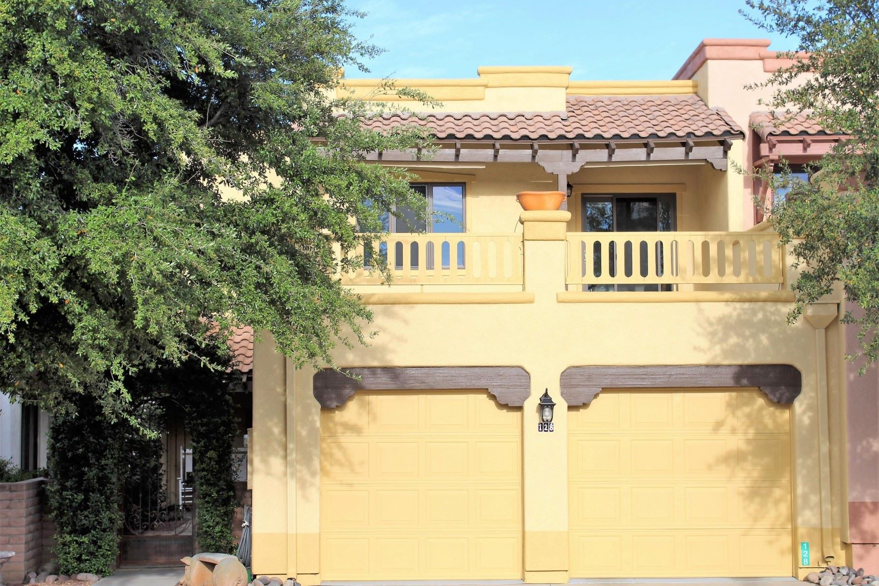 تاون هاوس للـ Sale في Absolutely Stunning Tubac townhome 128 Calle Barrio De Tubac, Tubac, Arizona, 85646 United States