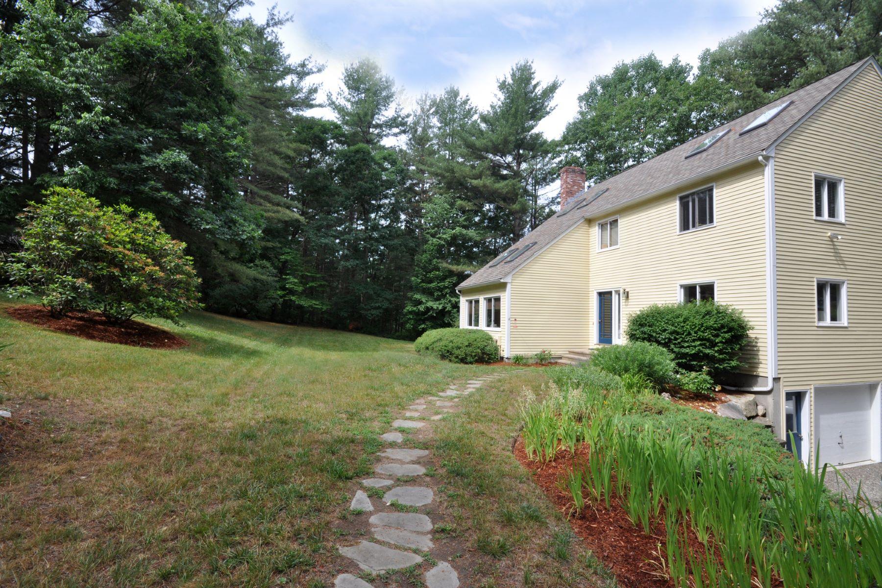 Single Family Homes para Venda às Acton, Massachusetts 01720 Estados Unidos