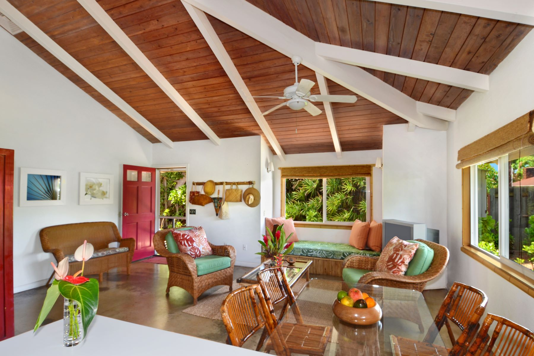 Multi-Family Homes 為 出售 在 17 Palms Cottages 414 Wailua Kai Street, Kapaa, 夏威夷 96746 美國