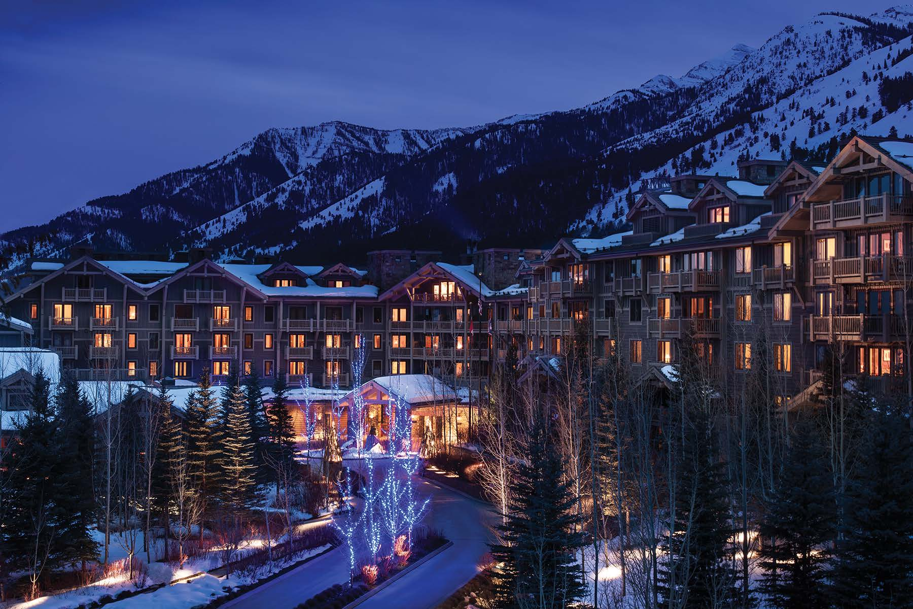 Condominiums のために 売買 アット Refreshed Four Seasons Private Residence 7680 N Granite Loop Road, Unit 850, Teton Village, ワイオミング 83025 アメリカ