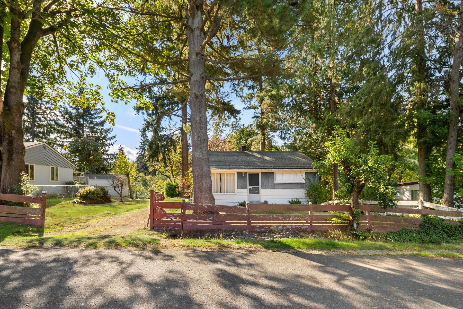 Single Family Homes for Sale at Mid-Century Bungalow 1211 SE 166th St Burien, Washington 98166 United States