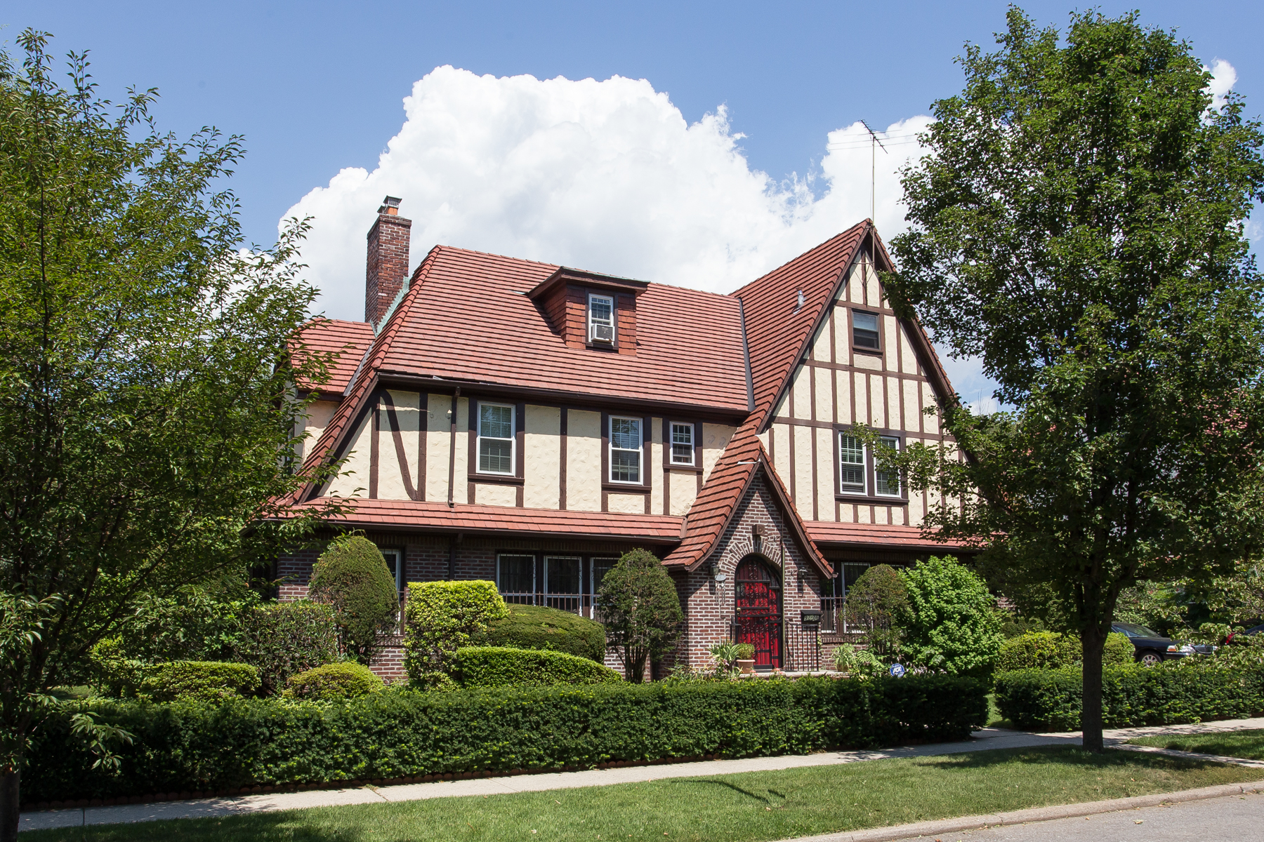 "Single Family Home for Rent at ""GRAND TUDOR CLASSIC"" Forest Hills, New York 11375 United States"