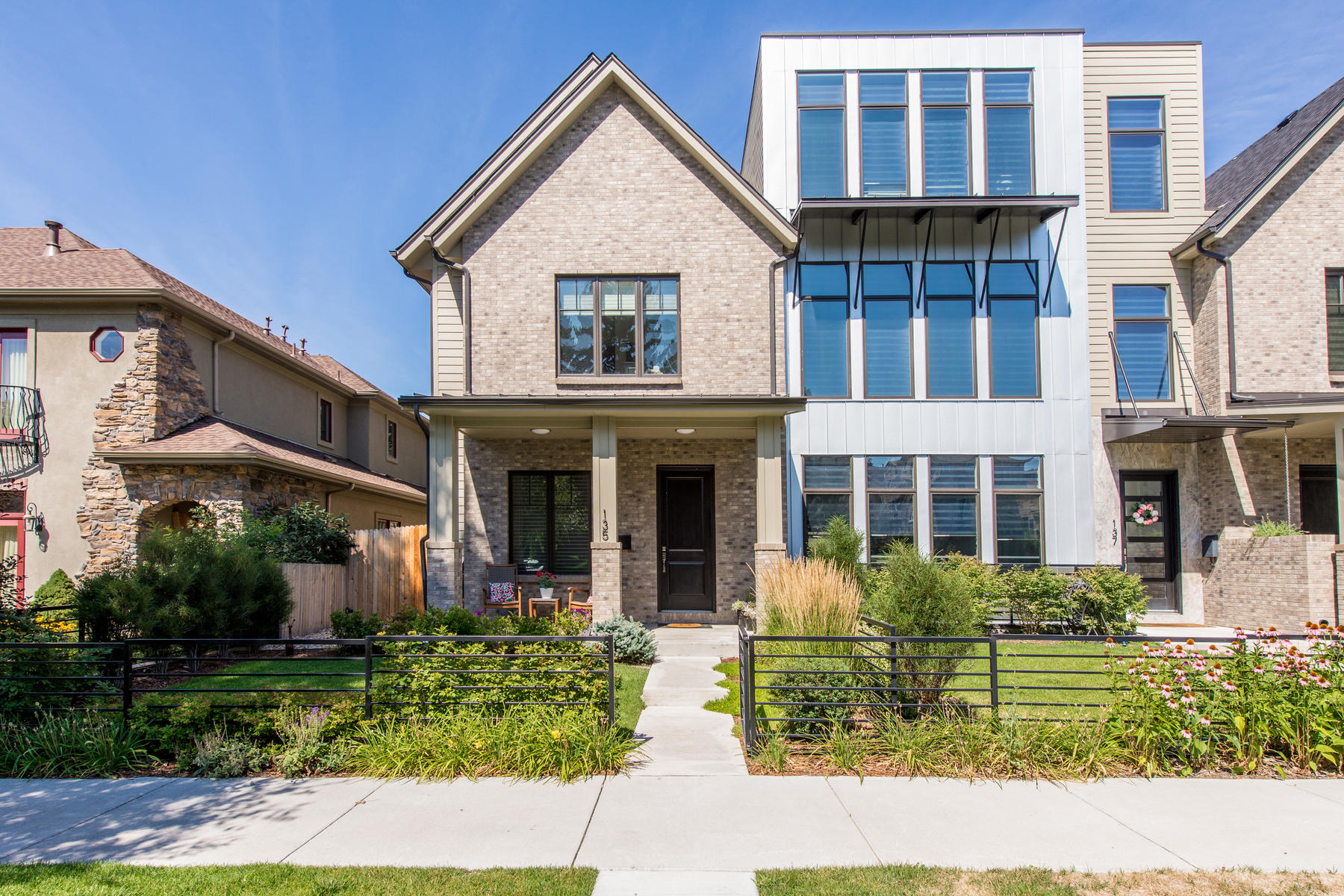 Single Family Home for Active at ALMOST NEW! 135 Jackson Denver, Colorado 80206 United States