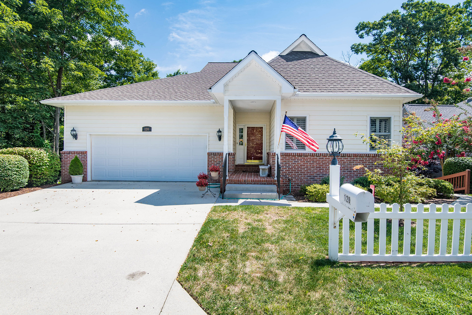 Single Family Home for Active at CARRIAGE PARK 120 Carriage Summitt Way Hendersonville, North Carolina 28791 United States
