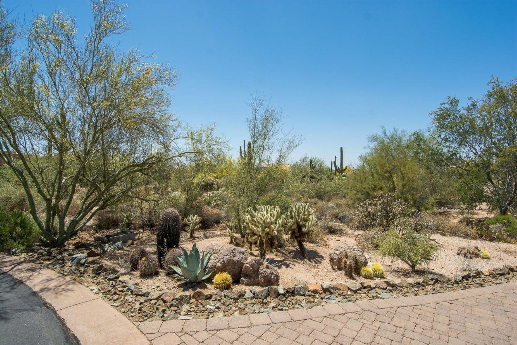 Terreno por un Venta en Desirable Sincuidados Guard Gated North Scottsdale Community 8300 E DIXILETA DR 279 Scottsdale, Arizona, 85266 Estados Unidos