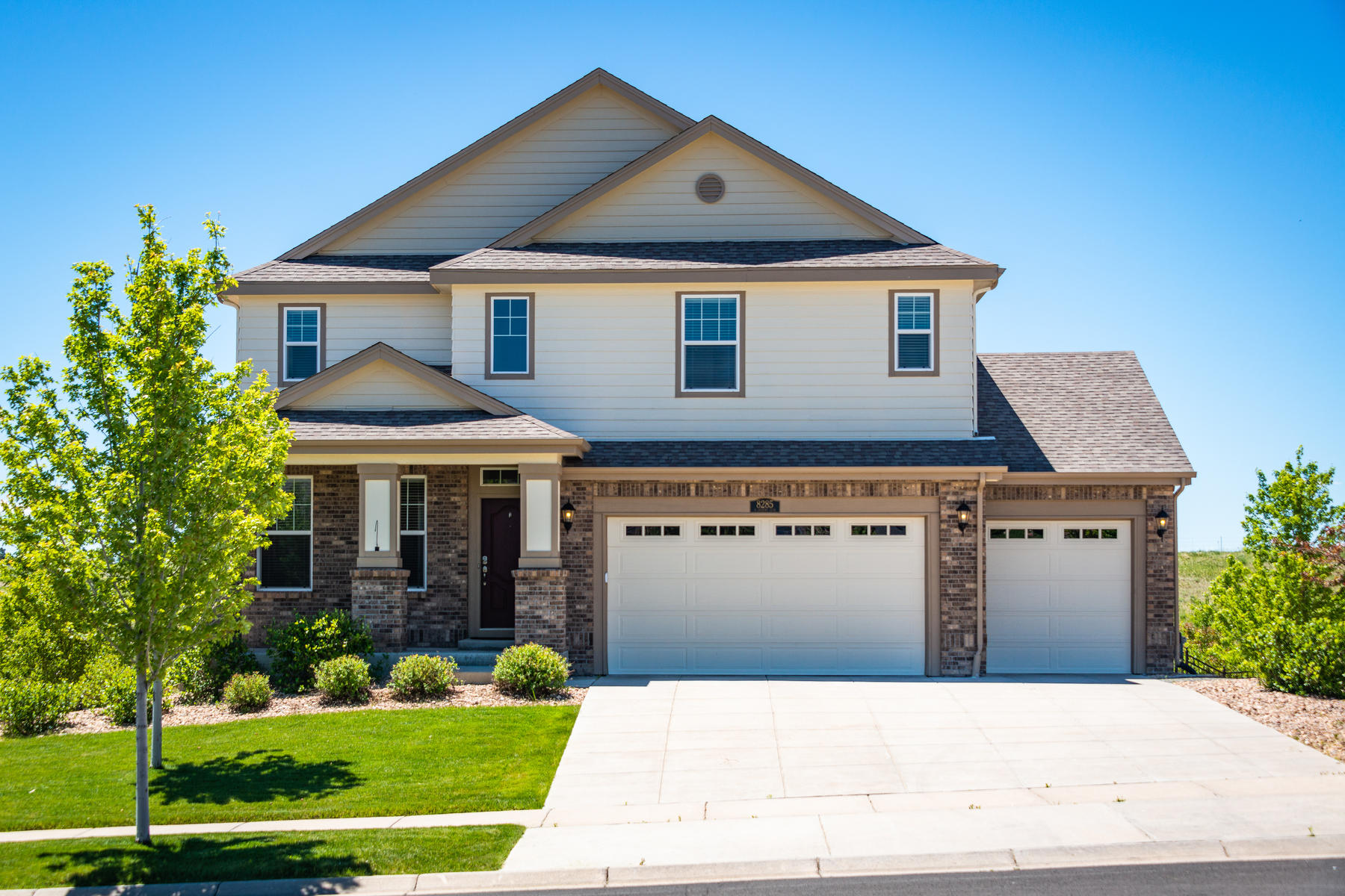 Single Family Homes для того Продажа на Immaculately maintained and move in ready in the beautiful Blackstone Country Cl 8285 South Country Club Parkway, Aurora, Колорадо 80016 Соединенные Штаты
