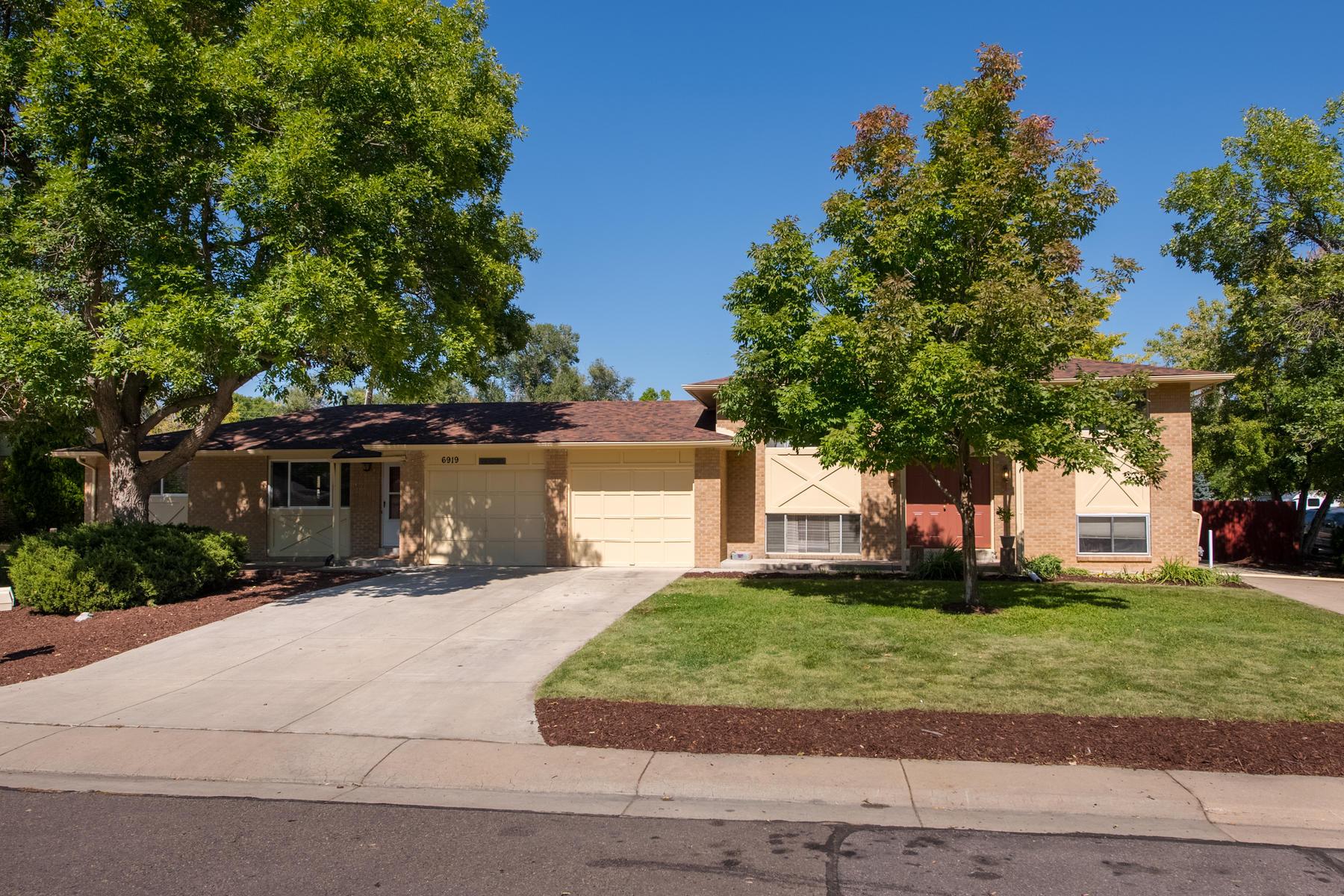 Property por un Venta en A Fantastic Investment Opportunity Near Edgewater/Sloan's Lake 6909 W 25th Pl Lakewood, Colorado 80214 Estados Unidos