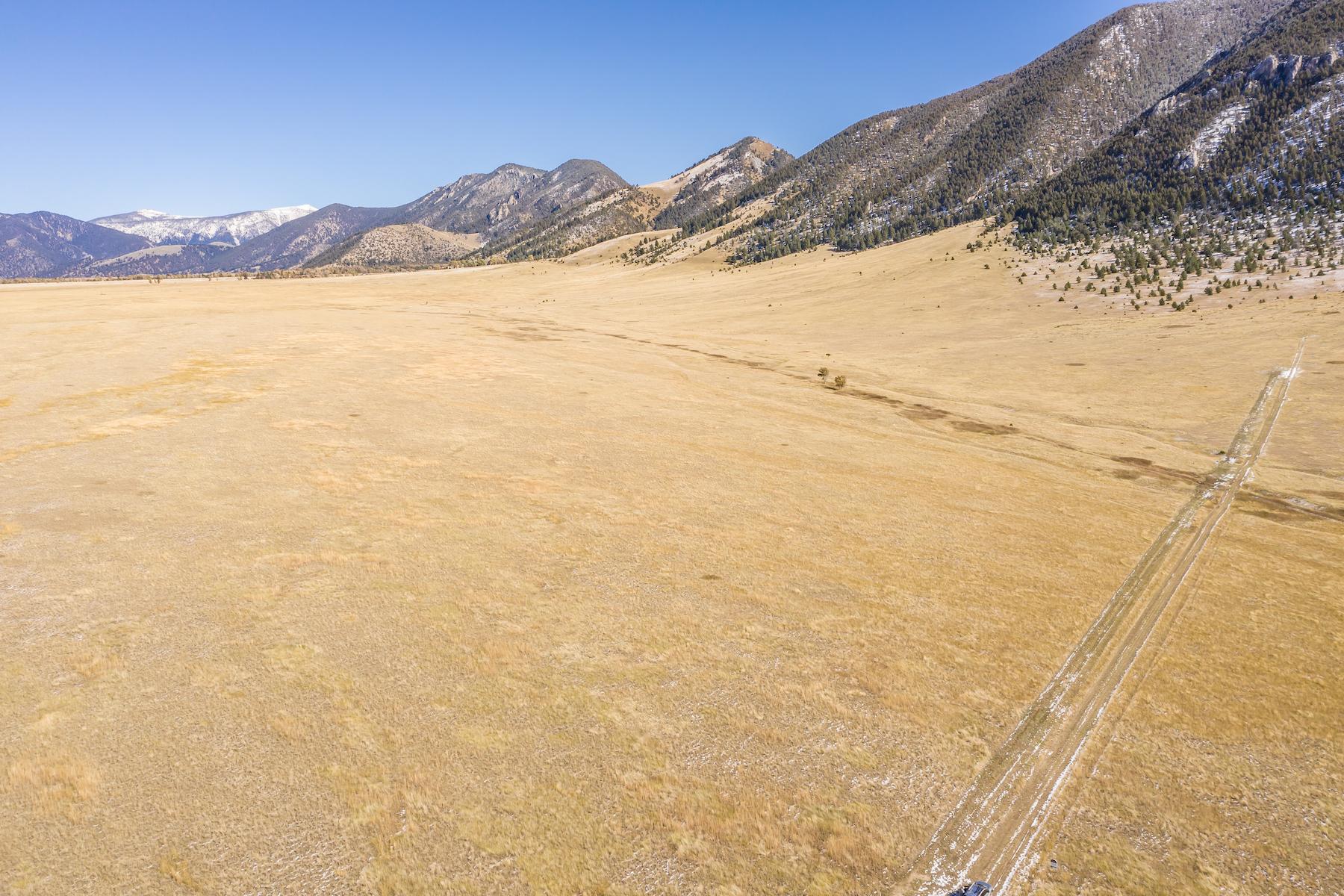 Terrain pour l Vente à Mustang Ranches Elk Valley Road, Ennis, Montana 59729 États-Unis