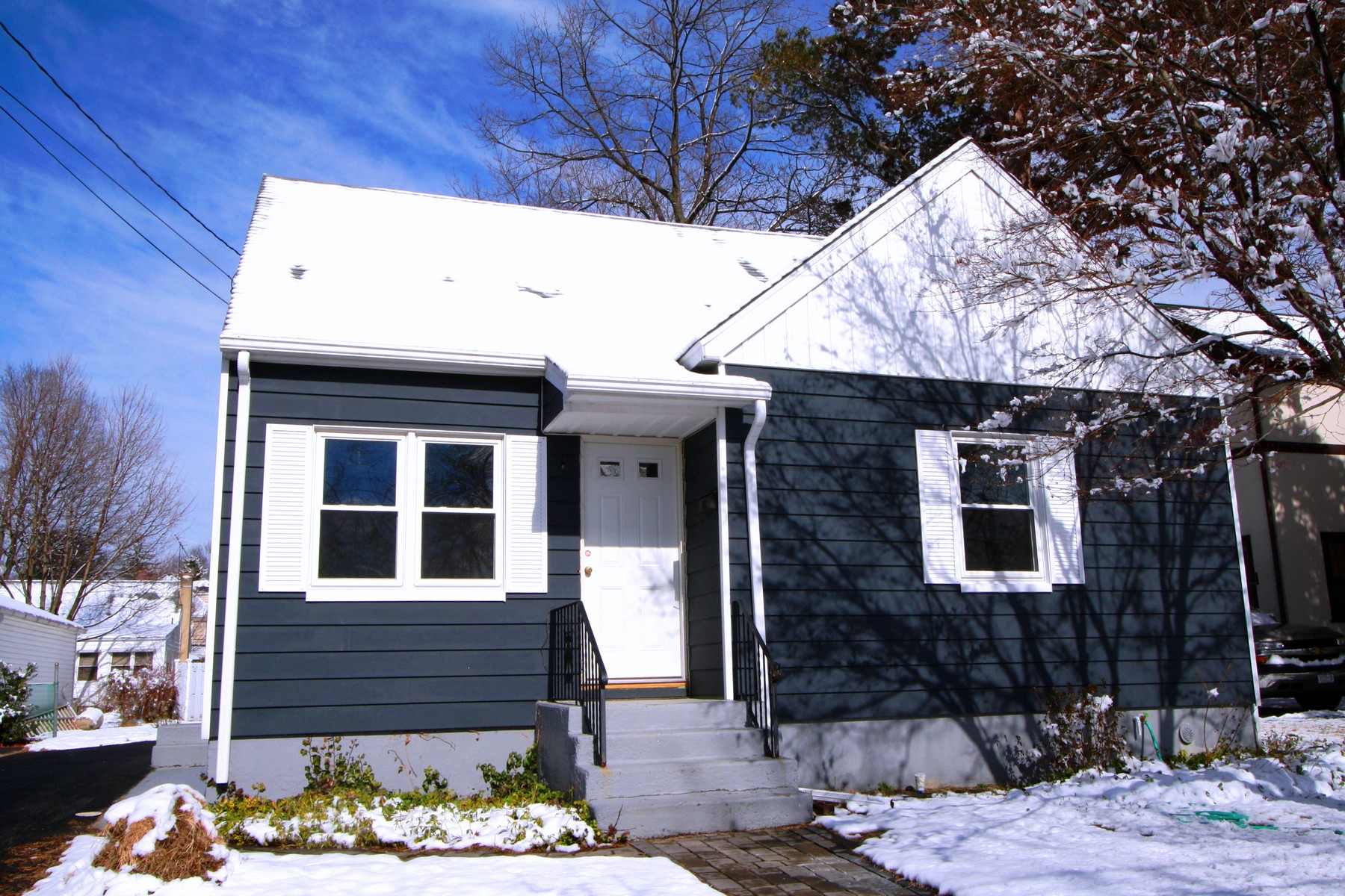 sales property at Commuter's Dream Home