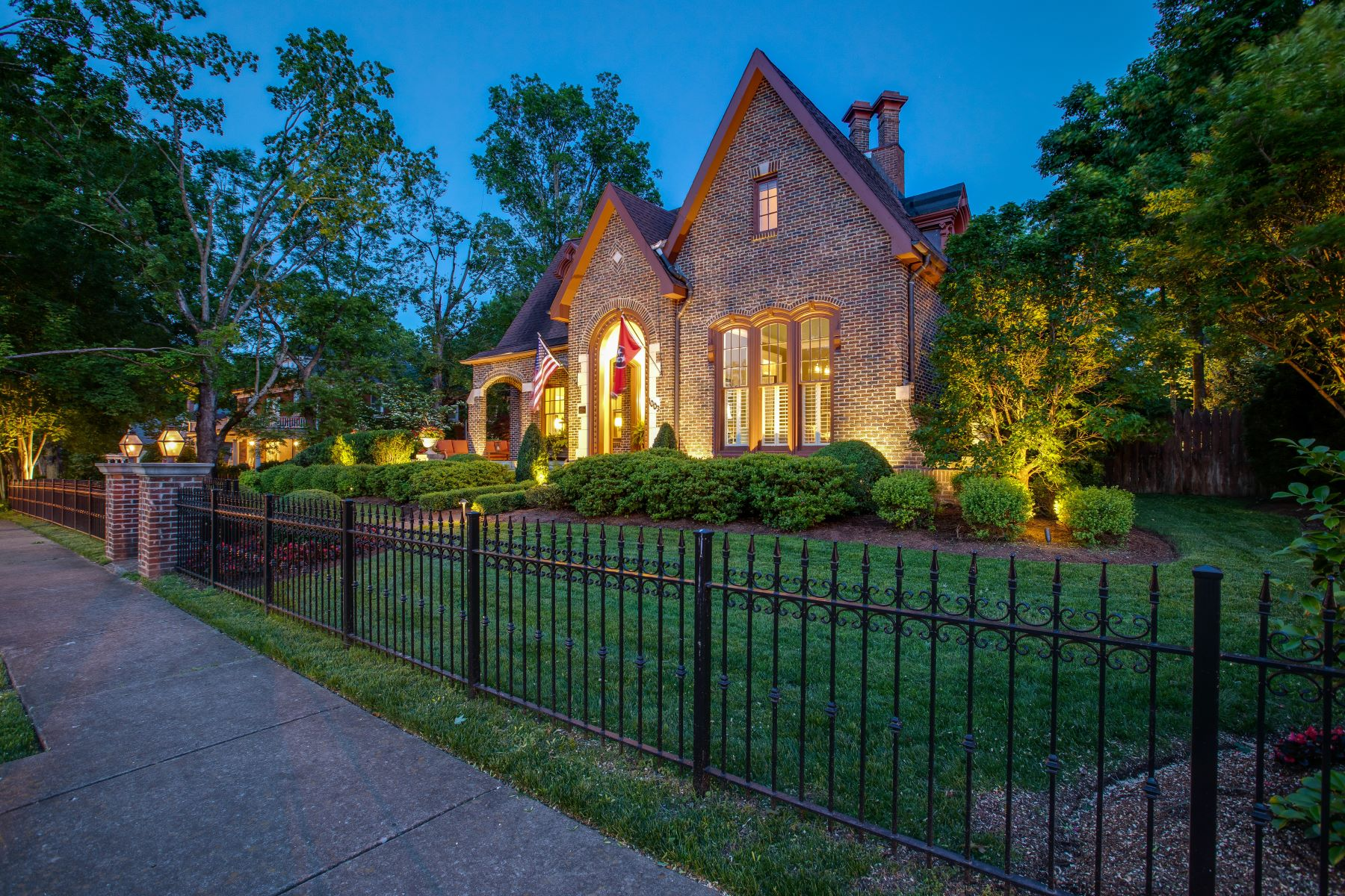 single family homes for Sale at Historic Turley-Marshall House 1003 W. Main Street Franklin, Tennessee 37064 United States
