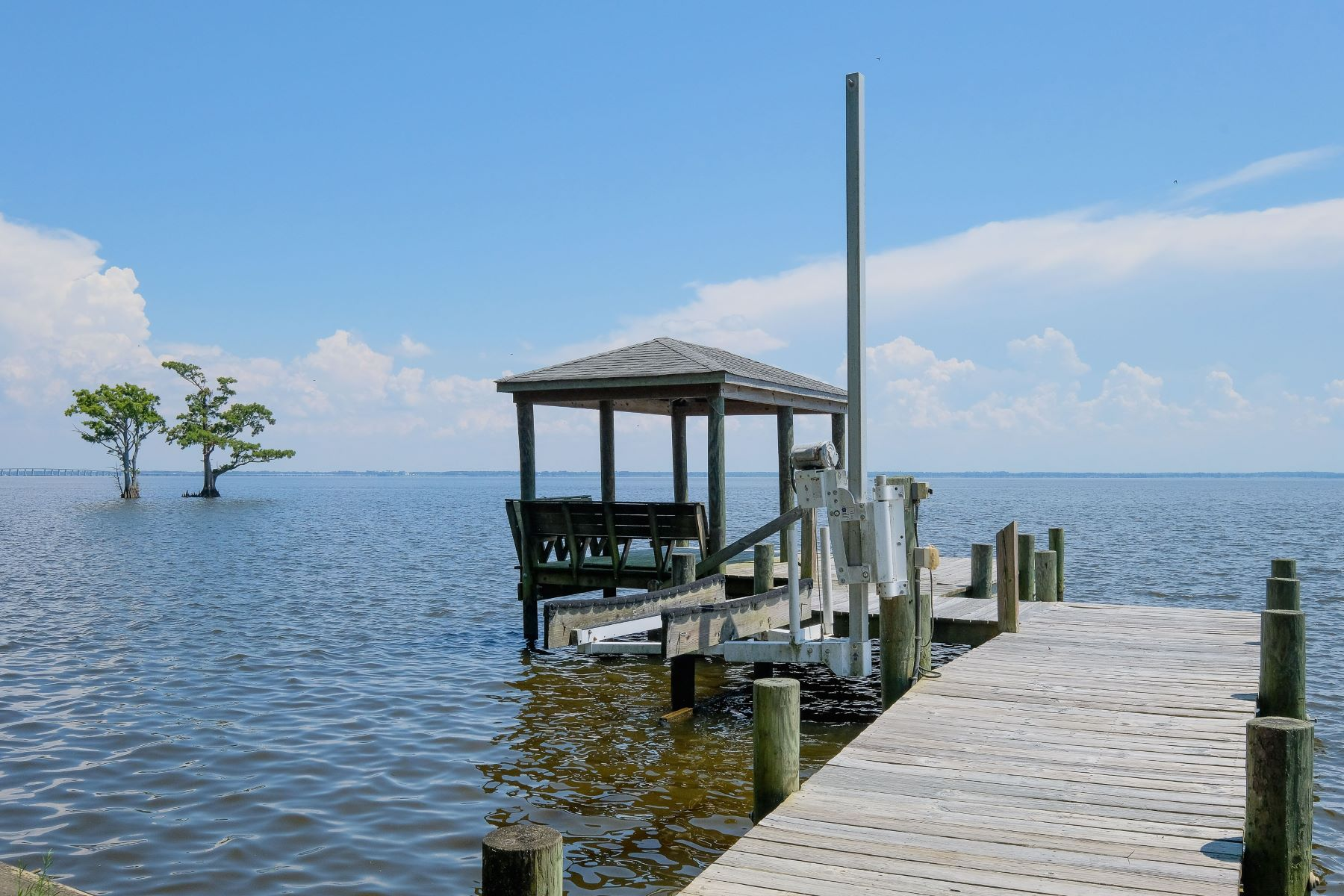 Additional photo for property listing at SOUND FRONT AT GOLF COURSE 1230 Sound Shore Dr Edenton, North Carolina 27932 United States