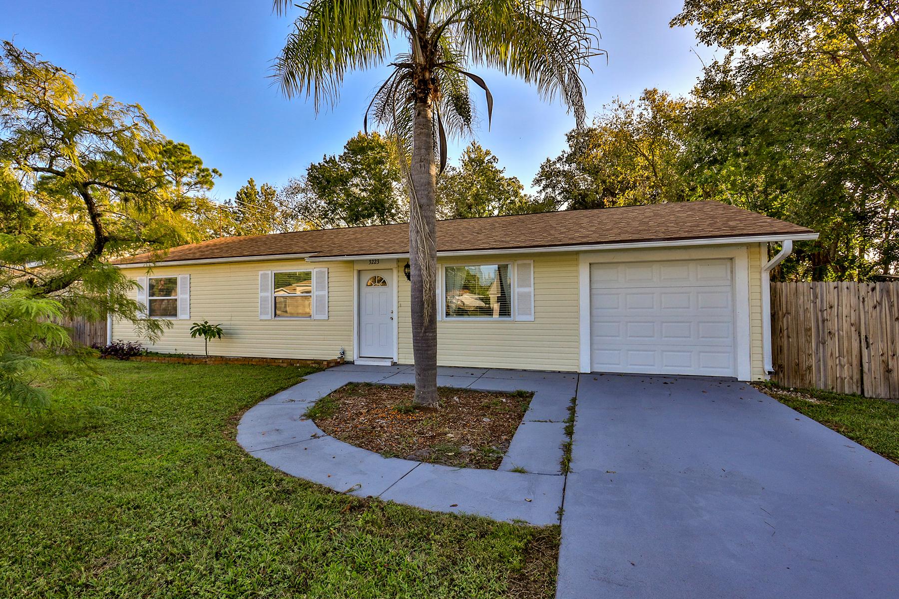 Single Family Homes por un Venta en Edgewater 3223 Umbrella Tree Drive, Edgewater, Florida 32141 Estados Unidos