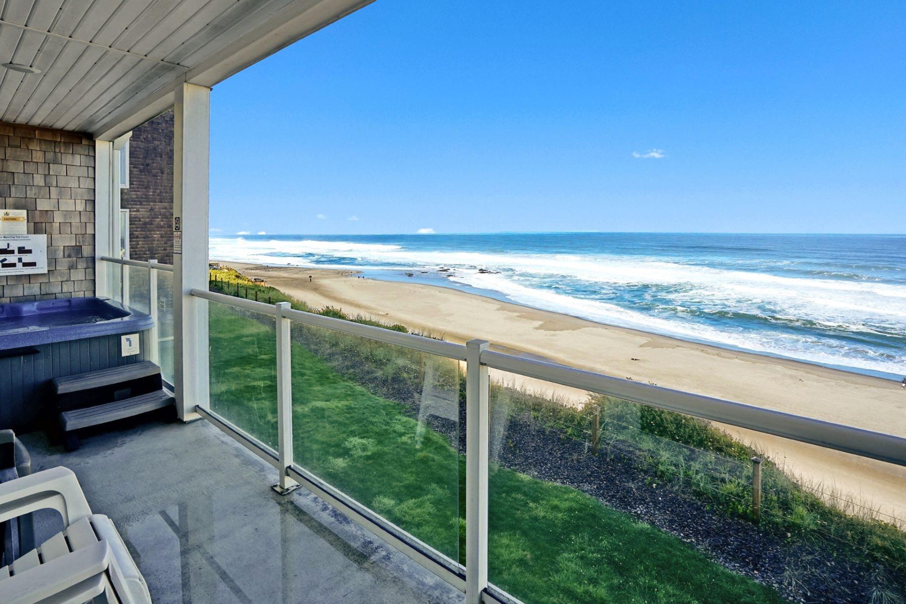 Condominiums para Venda às Luxury Oceanfront Condo 1723 NW Harbor Ave, Lincoln City, Oregon 97367 Estados Unidos