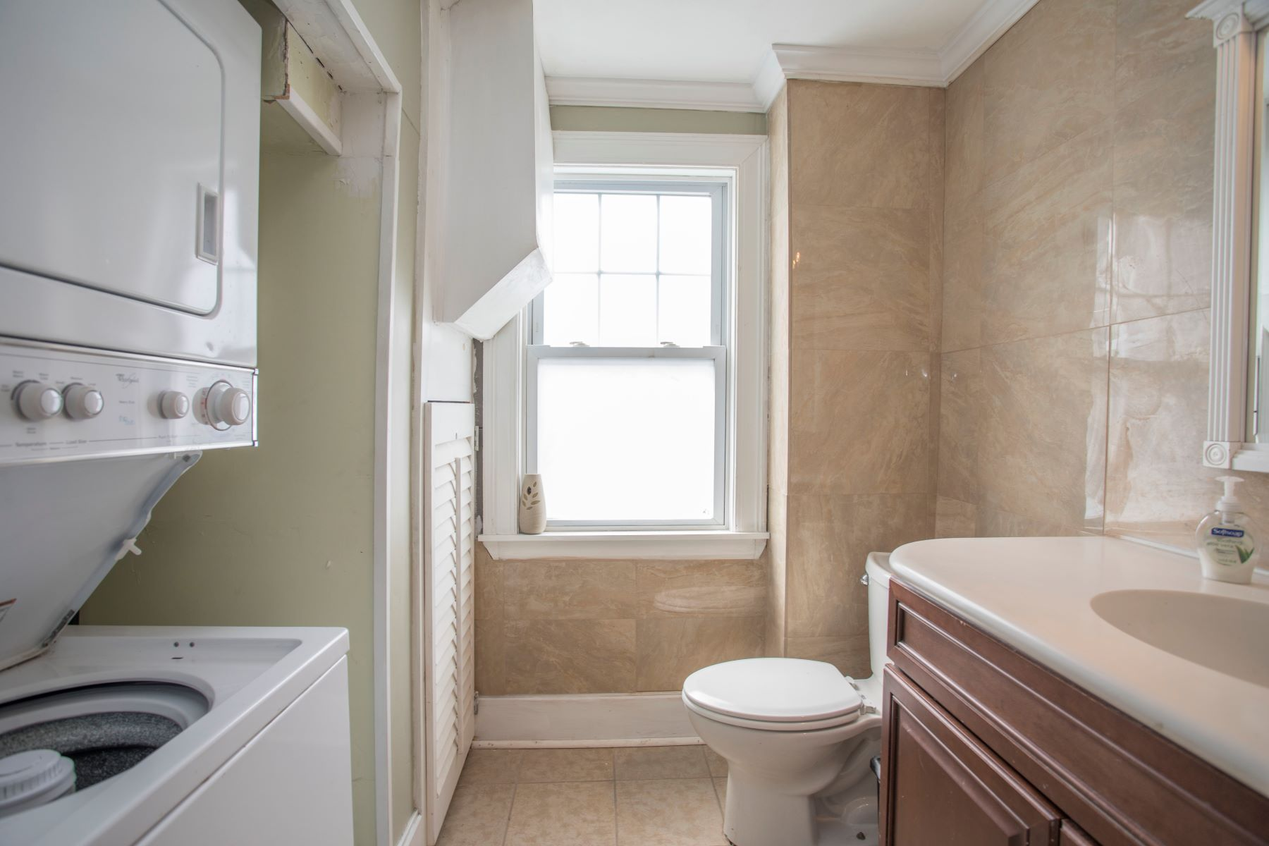 Additional photo for property listing at The Williams Cottage 1 Dresser Street Newport, Rhode Island 02840 United States