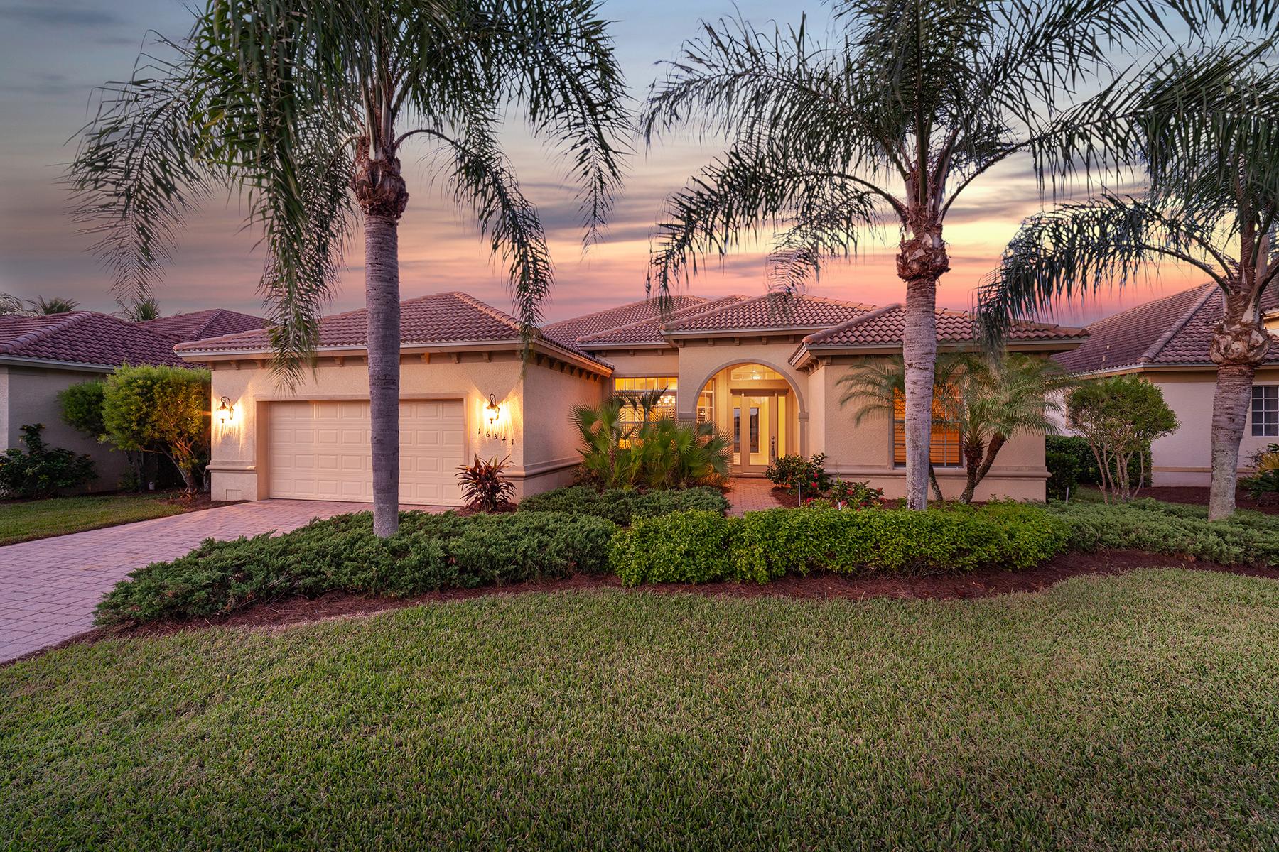 Single Family Homes para Venda às COCO BAY 16341 Coco Hammock Way, Fort Myers, Florida 33908 Estados Unidos