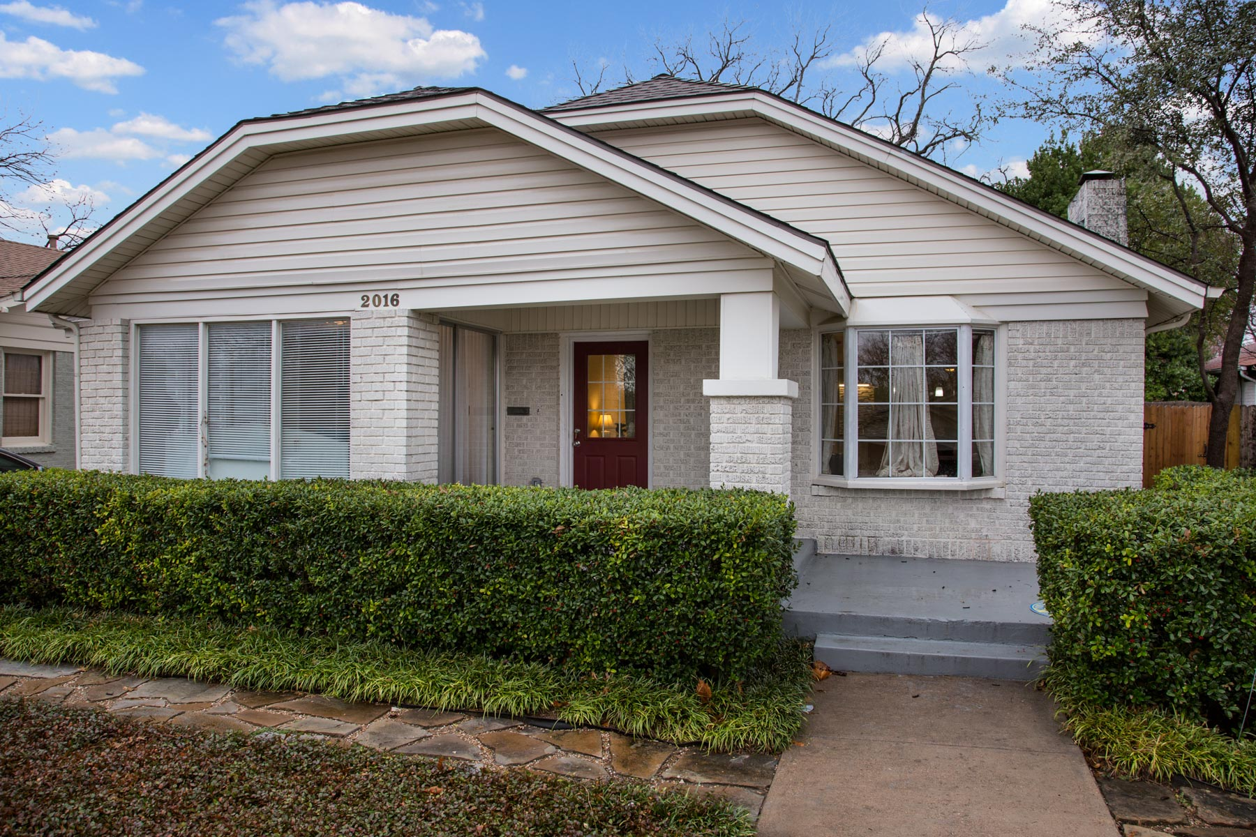 Single Family Home for Sale at 2016 Clover Lane Fort Worth, Texas, 76107 United States