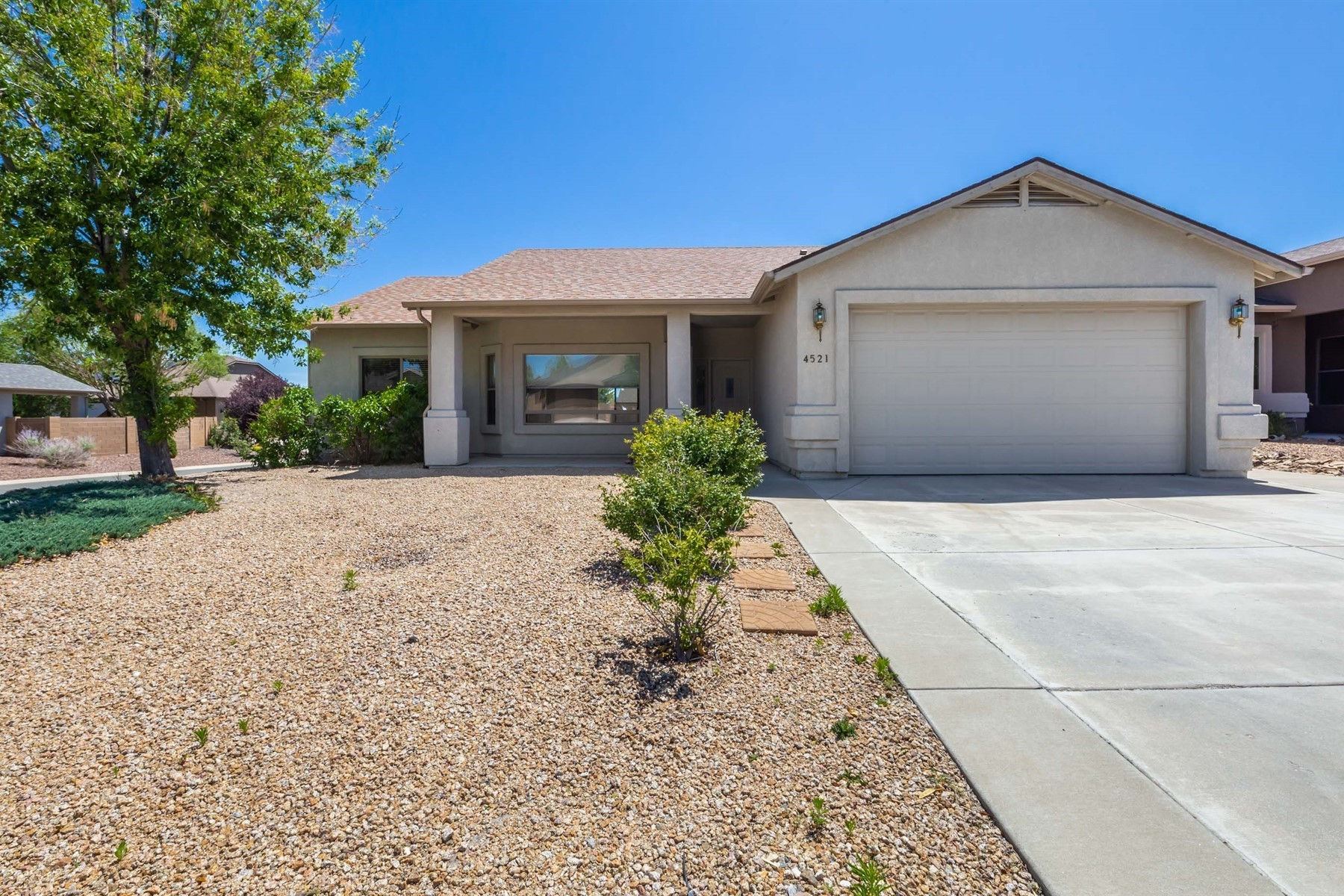 Single Family Homes for Sale at Charming Prescott Valley Home 4521 N Reston Place Prescott Valley, Arizona 86314 United States