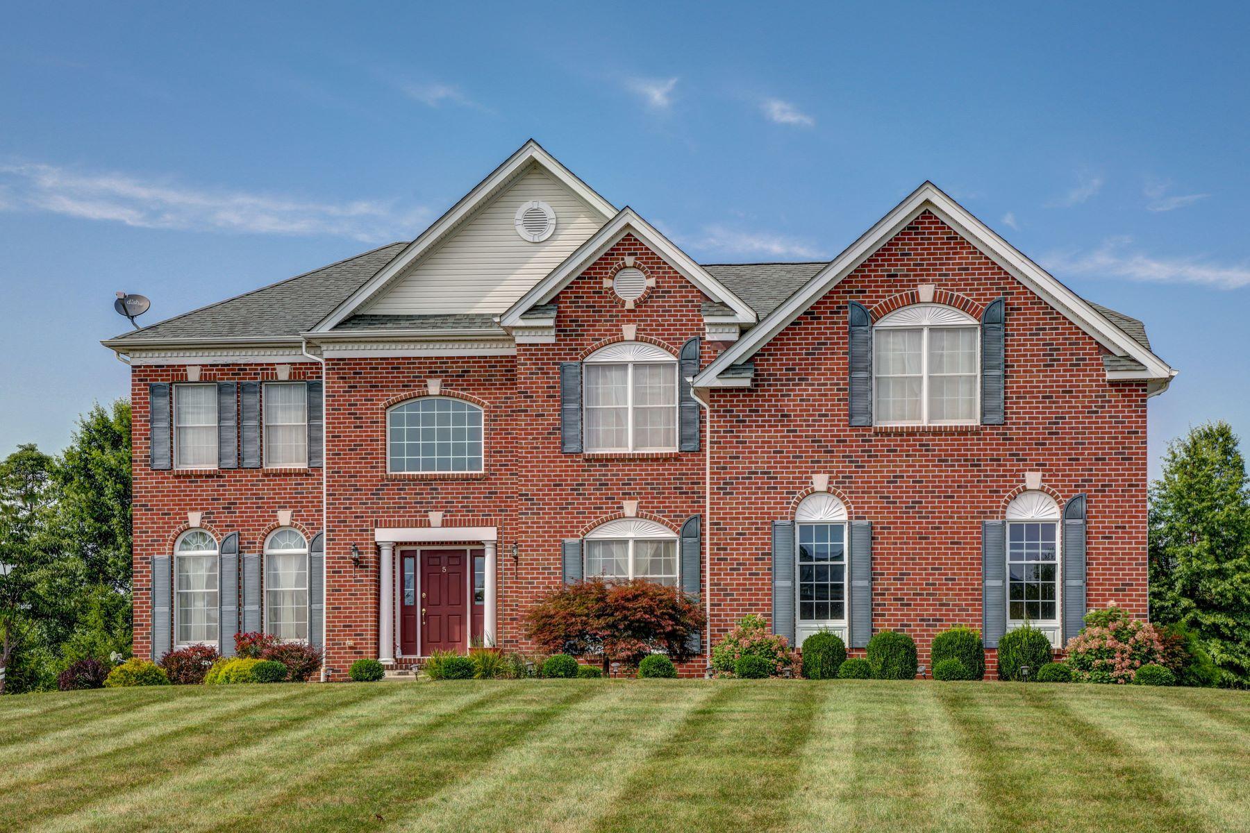 Single Family Homes pour l Vente à Grand Colonial 5 Woodline Way, Alexandria Township, New Jersey 08867 États-Unis