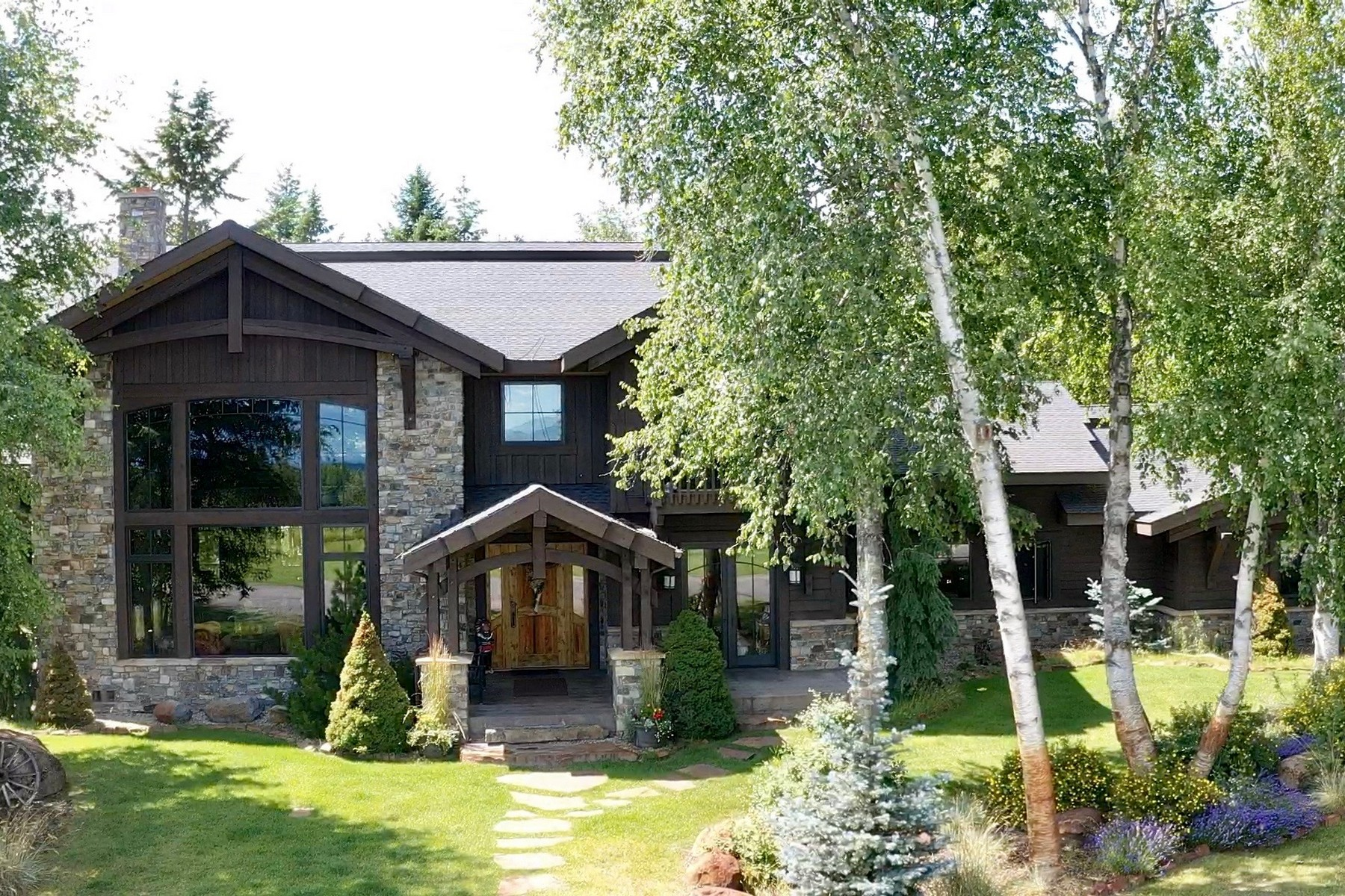 Single Family Homes para Venda às Whitefish, Montana 59937 Estados Unidos