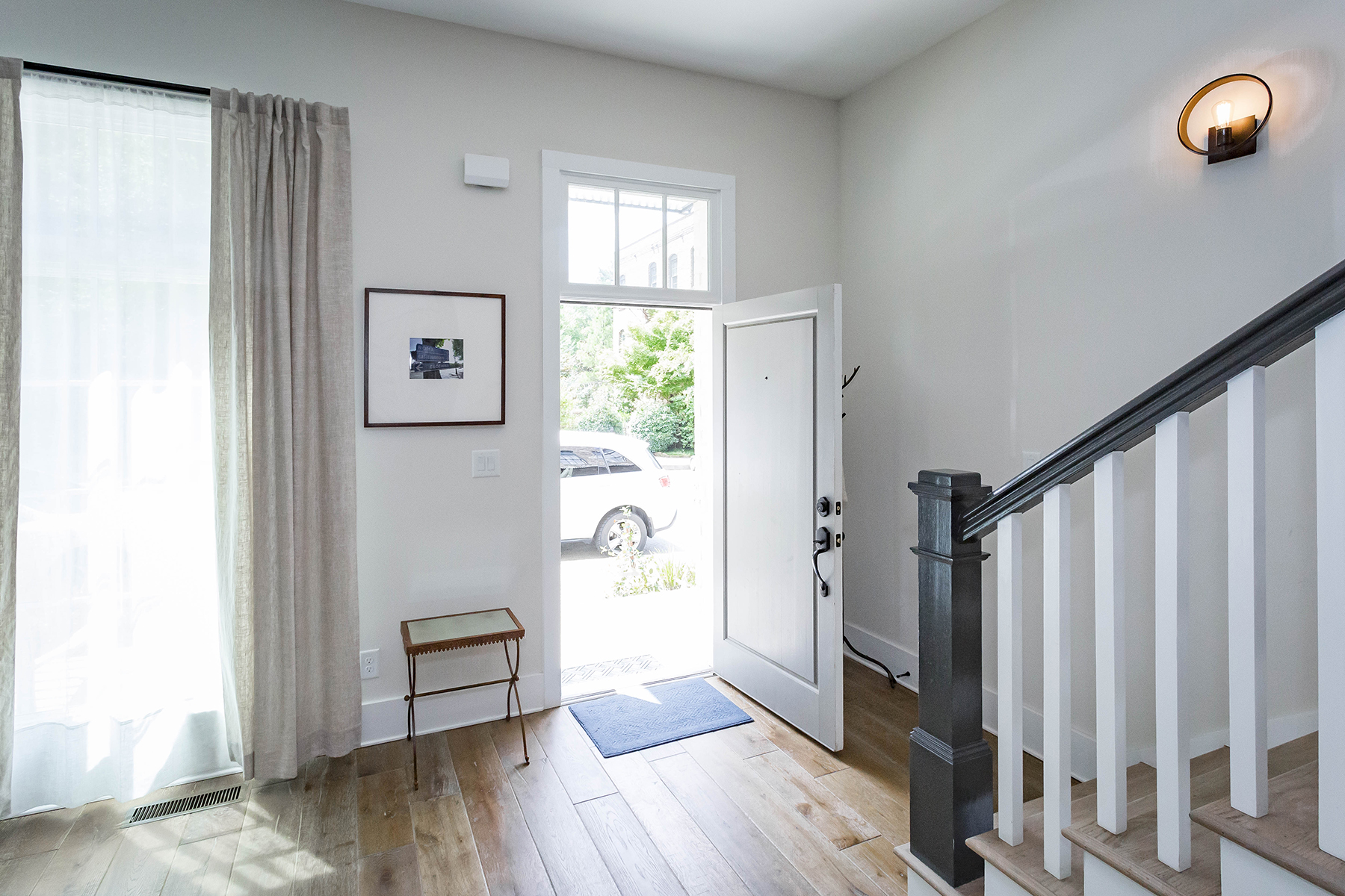 Additional photo for property listing at Charming and Spacious Townhome with Garage Parking in Serenbe 454 Selborne Way, Chattahoochee Hills, Georgië 30268 Verenigde Staten