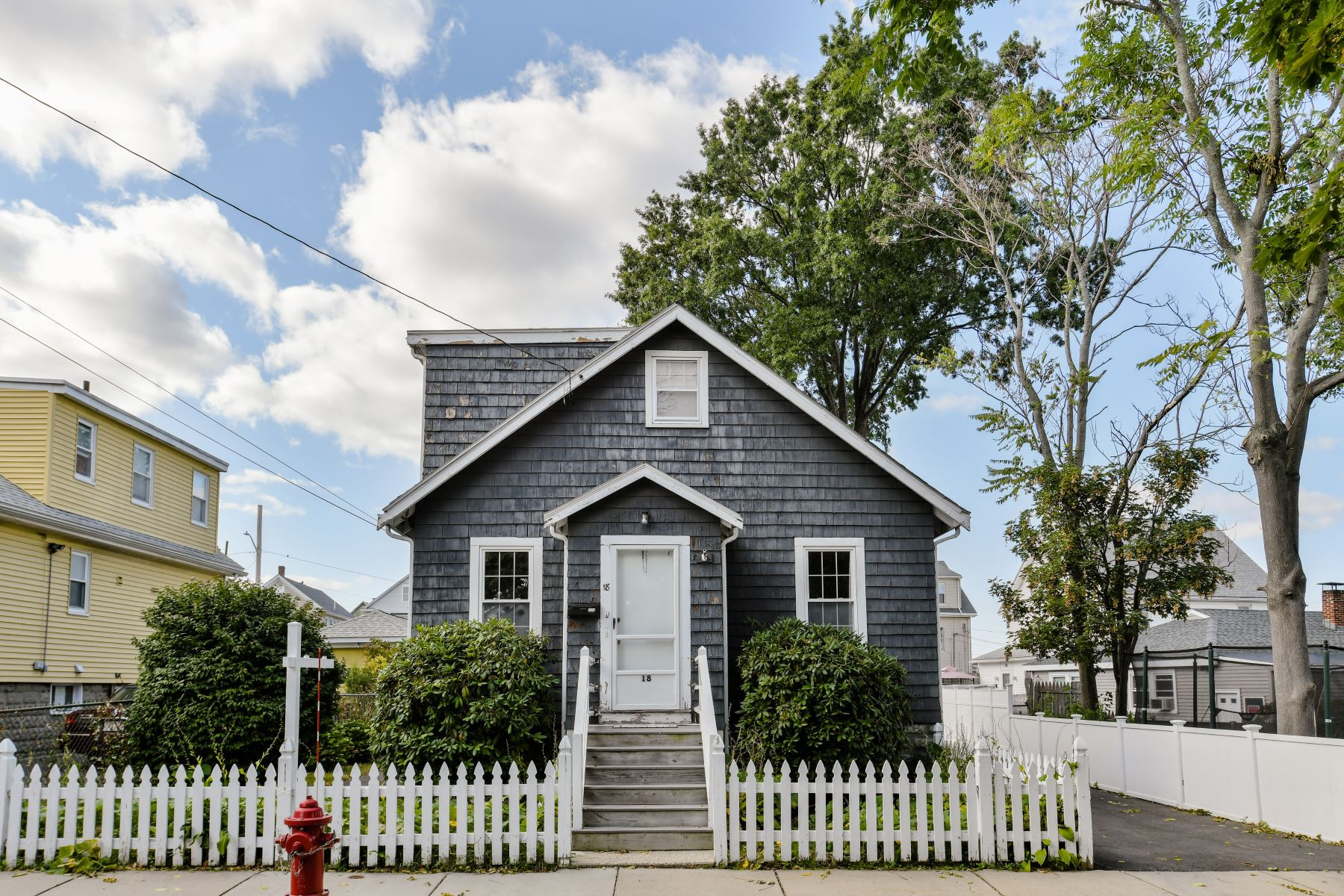 Single Family Homes 용 매매 에 Everett, 매사추세츠 02149 미국