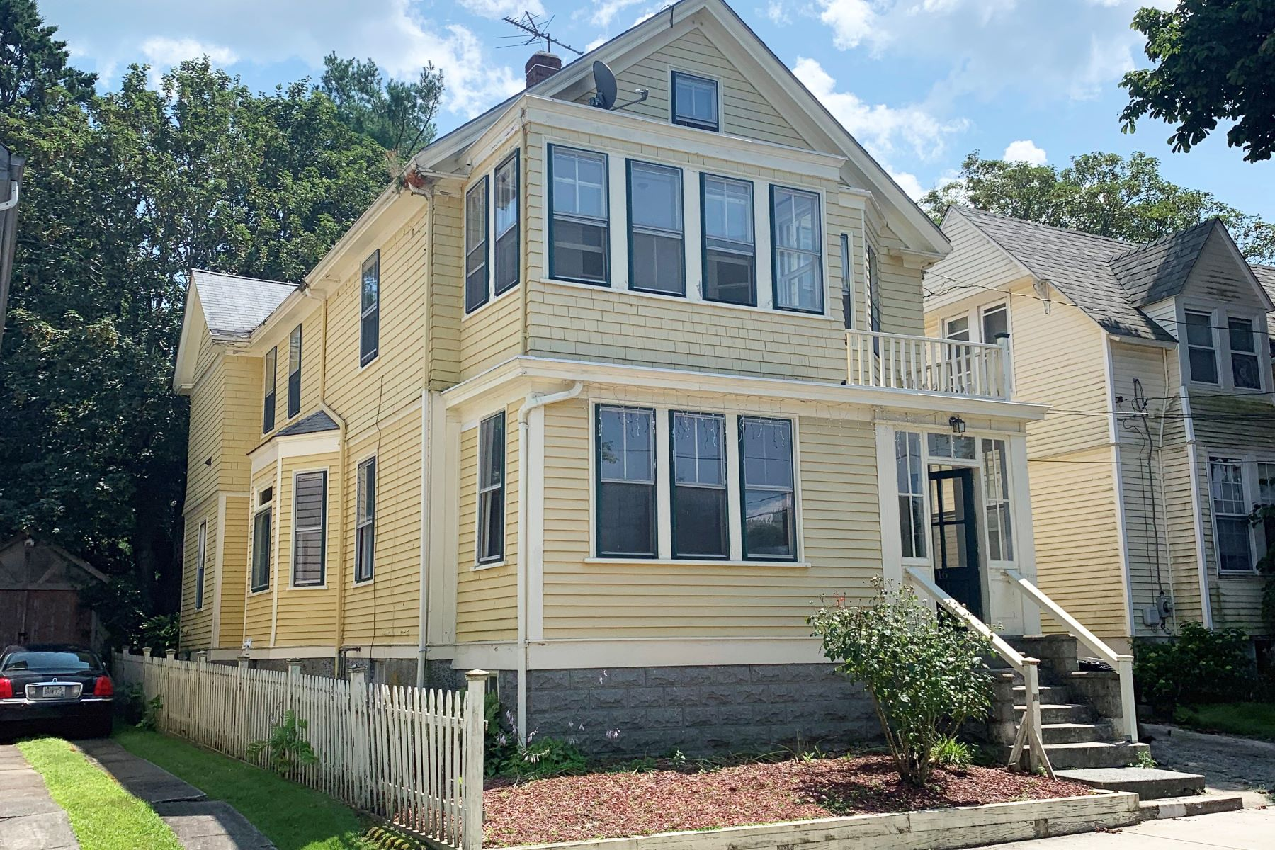Multi-Family Homes for Sale at Fifth Ward Multi-Family 16 Vaughan Avenue Newport, Rhode Island 02840 United States