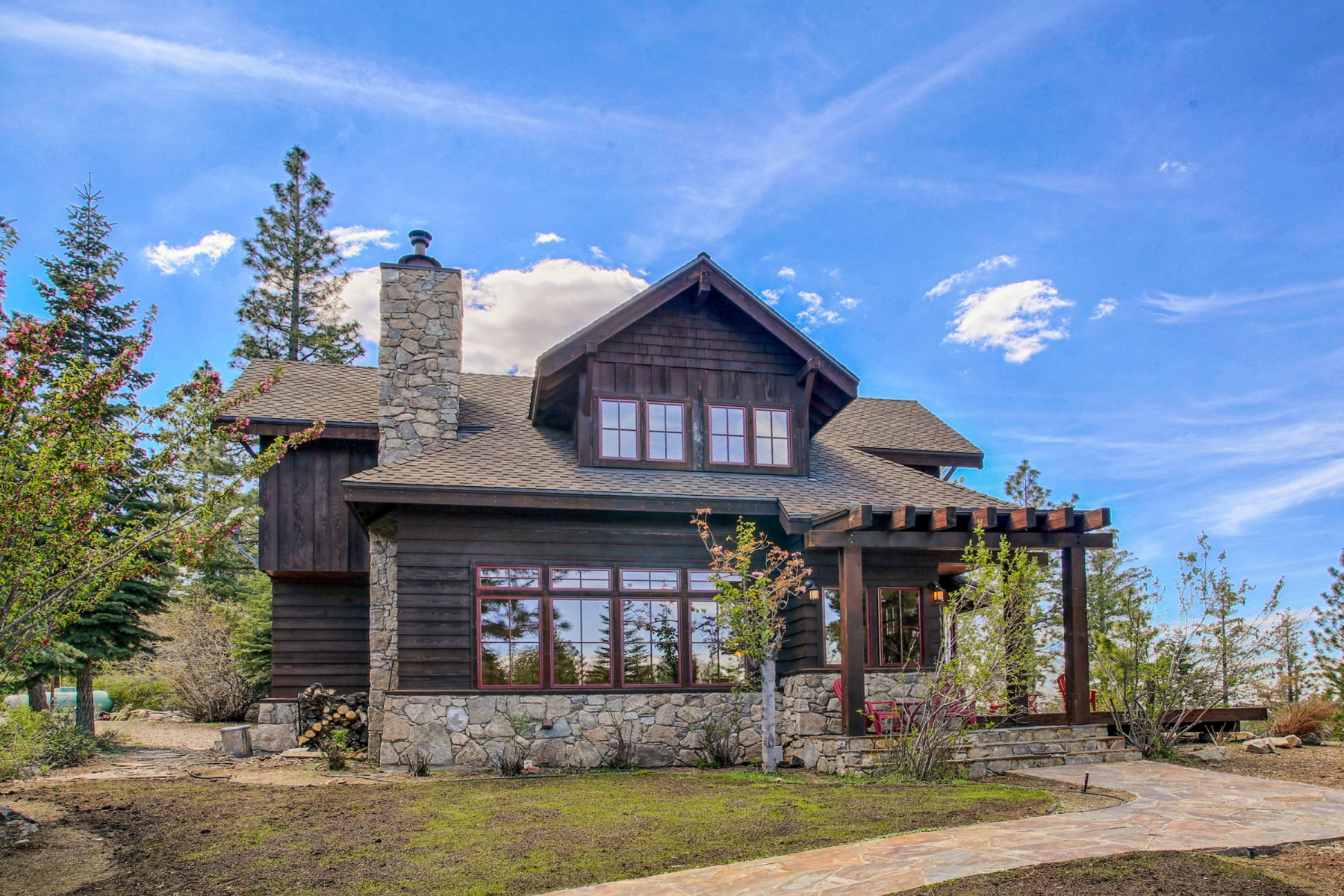 Single Family Home for Active at 11322 Somerset Drive, Truckee, CA Truckee, California 96161 United States