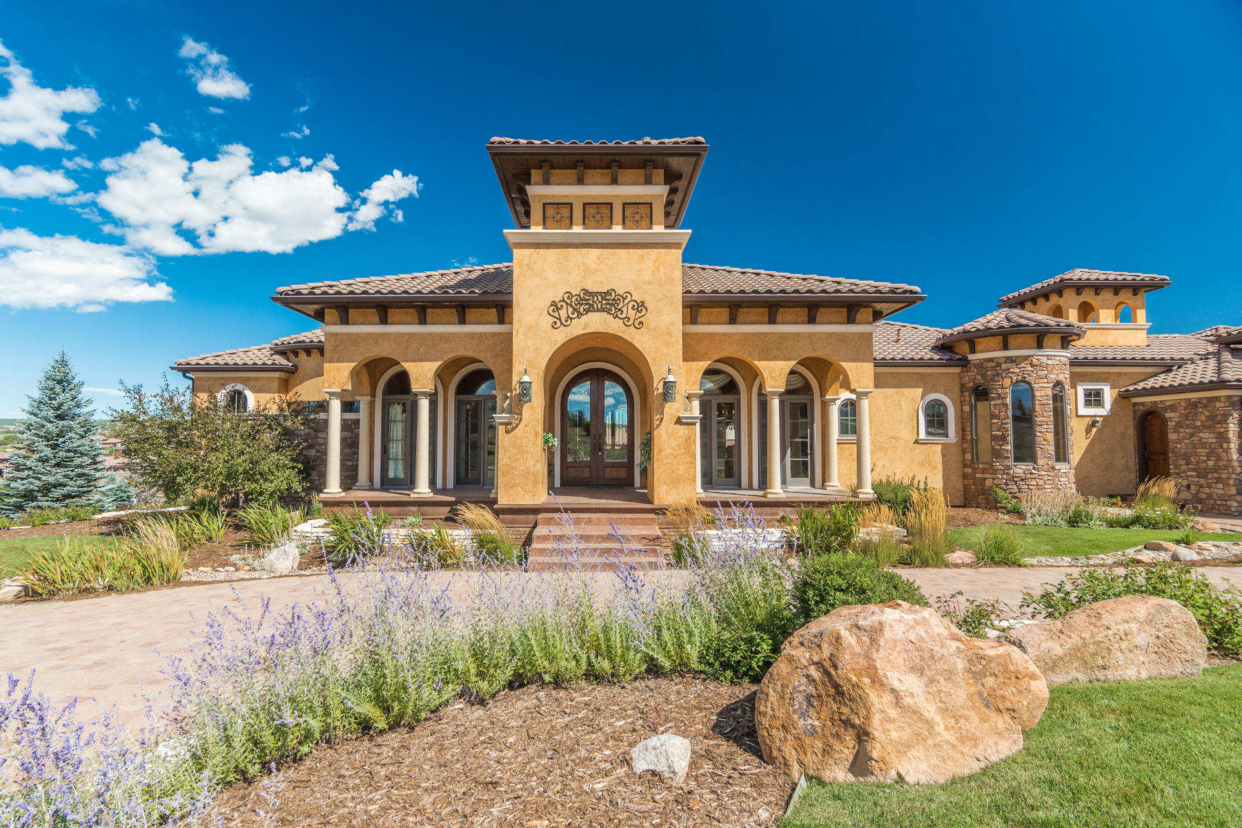 Single Family Homes for Active at Mediterranean Villa in Flying Horse 1814 Vine Cliff Heights Colorado Springs, Colorado 80921 United States