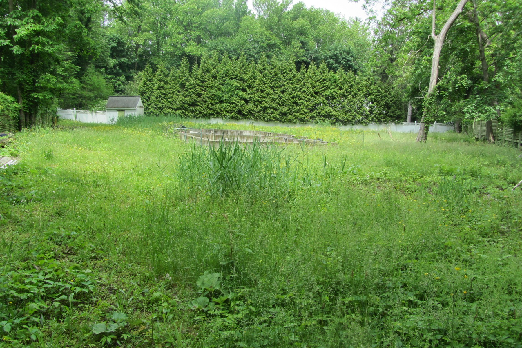 Land for Sale at Private Lot in Historic Hamlet 10 Woods Road Snedens Landing, New York 10964 United StatesIn/Around: Palisades