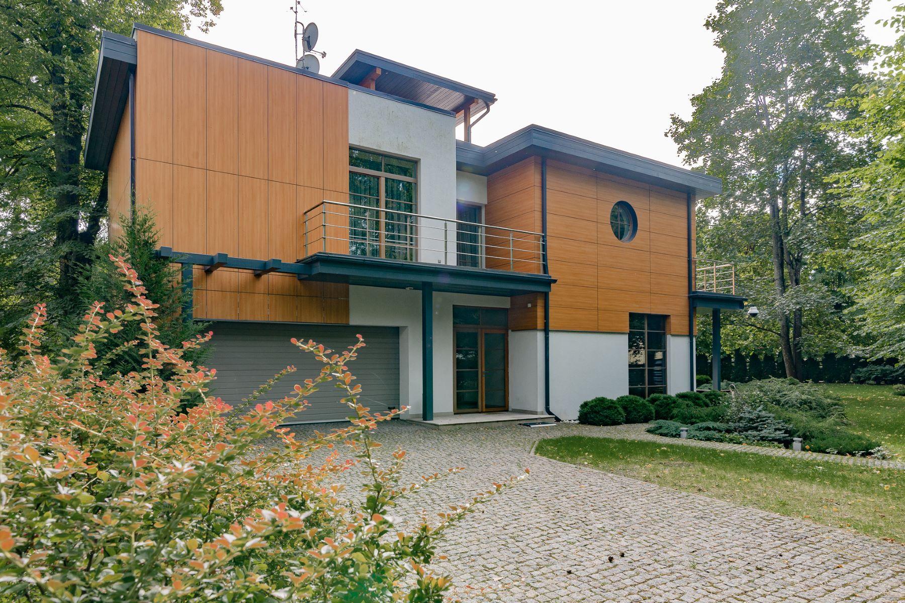 Maison unifamiliale pour l Vente à Modern house in Pumpuri close to the beach Jurmala, Rigas County, Lettonie