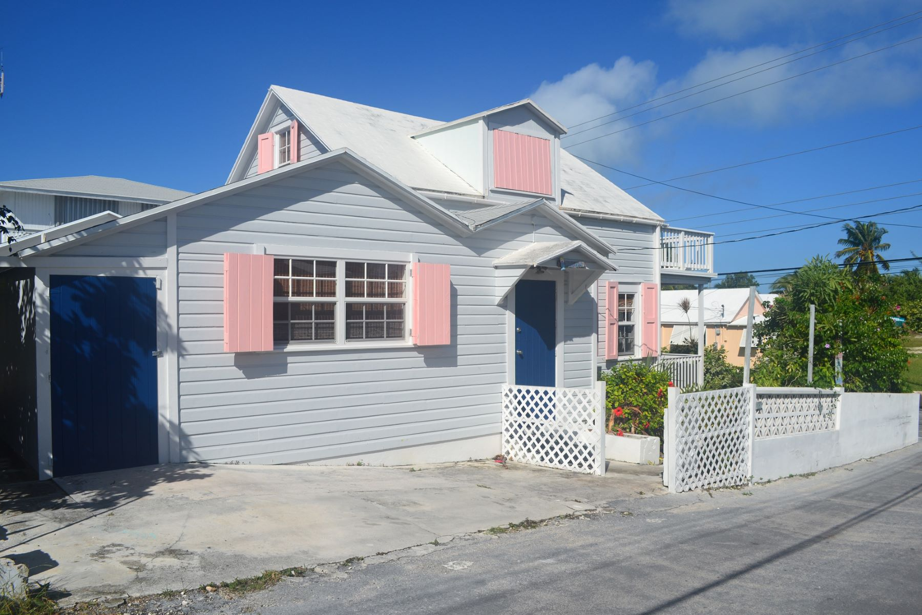 Additional photo for property listing at Mermaid Cottage - Samuel Guy Pinder Road & 9th Str Samuel Guy & 9th Street Spanish Wells, Eleuthera 0 Bahamas