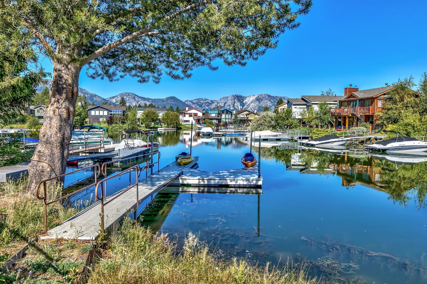 Additional photo for property listing at 600 Alpine Dr., South Lake Tahoe, Ca 96150 600 Alpine Drive South Lake Tahoe, California 96150 Estados Unidos