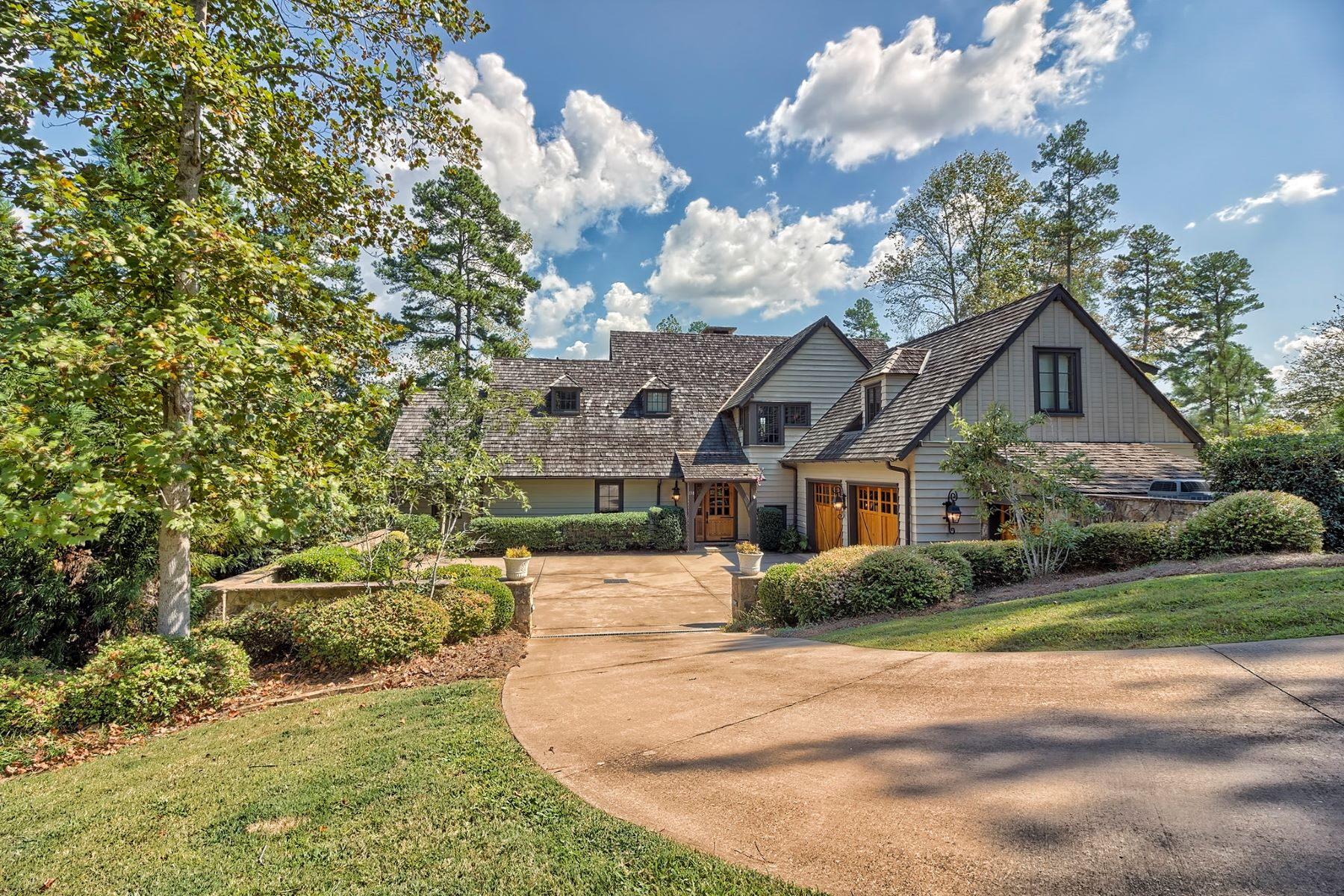 Частный односемейный дом для того Продажа на Perfect Marriage of Lakehouse Living & Custom Craftsmanship 138 N. Lake Drive, The Reserve At Lake Keowee, Sunset, Южная Каролина, 29685 Соединенные Штаты