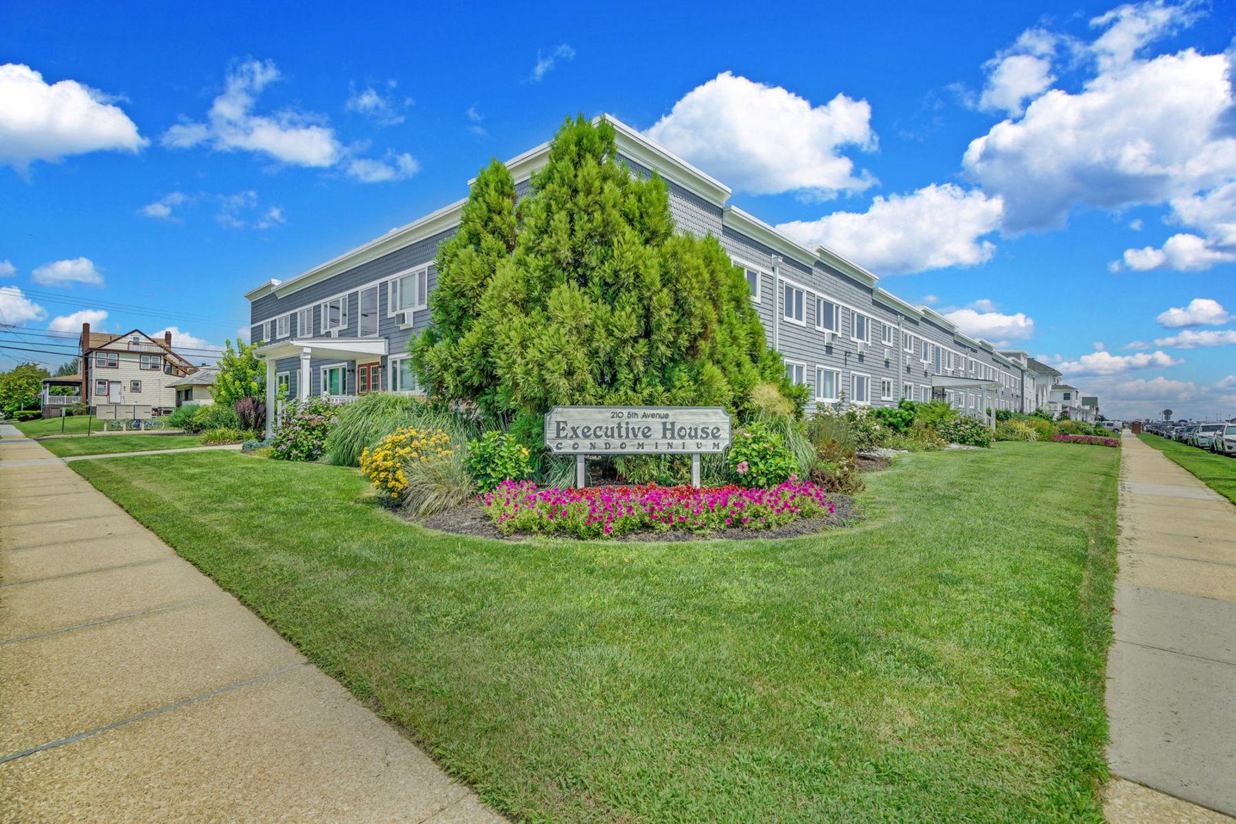 共管式独立产权公寓 为 销售 在 Executive House Condo 210 5th Ave 37, 贝尔玛, 新泽西州 07719 美国